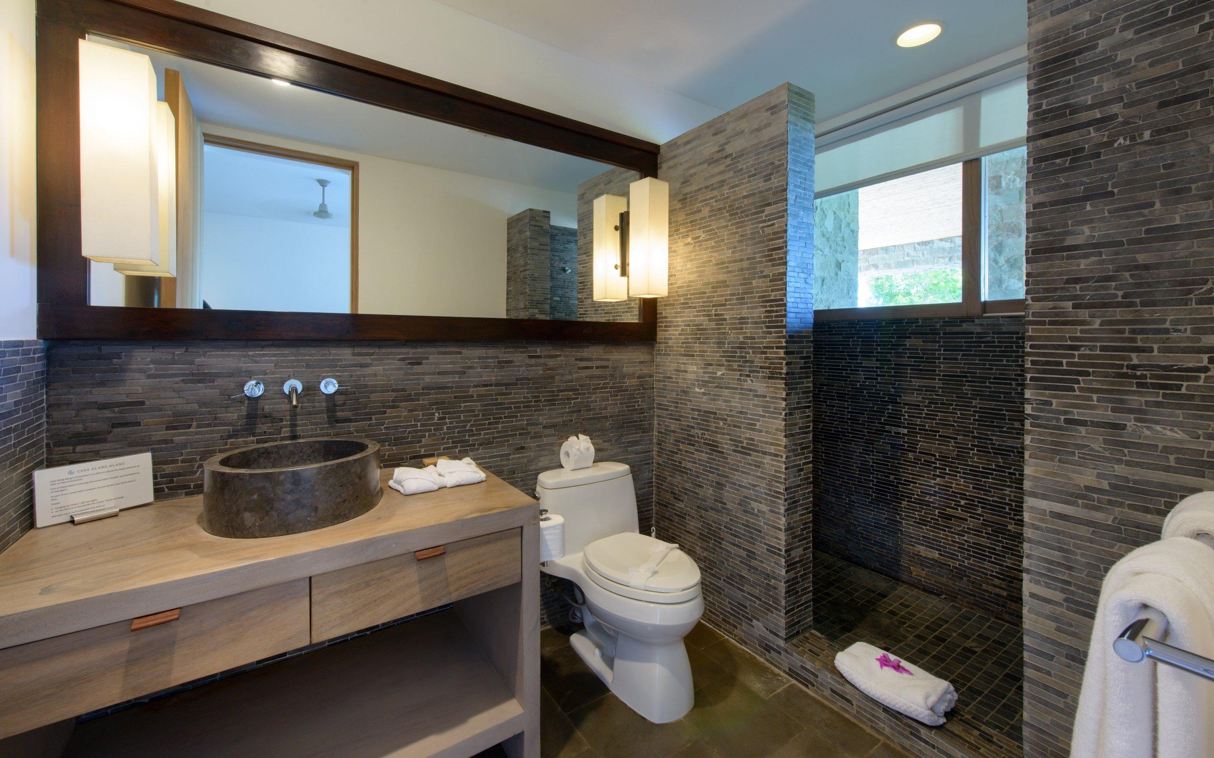 Pool guest bath room.jpg