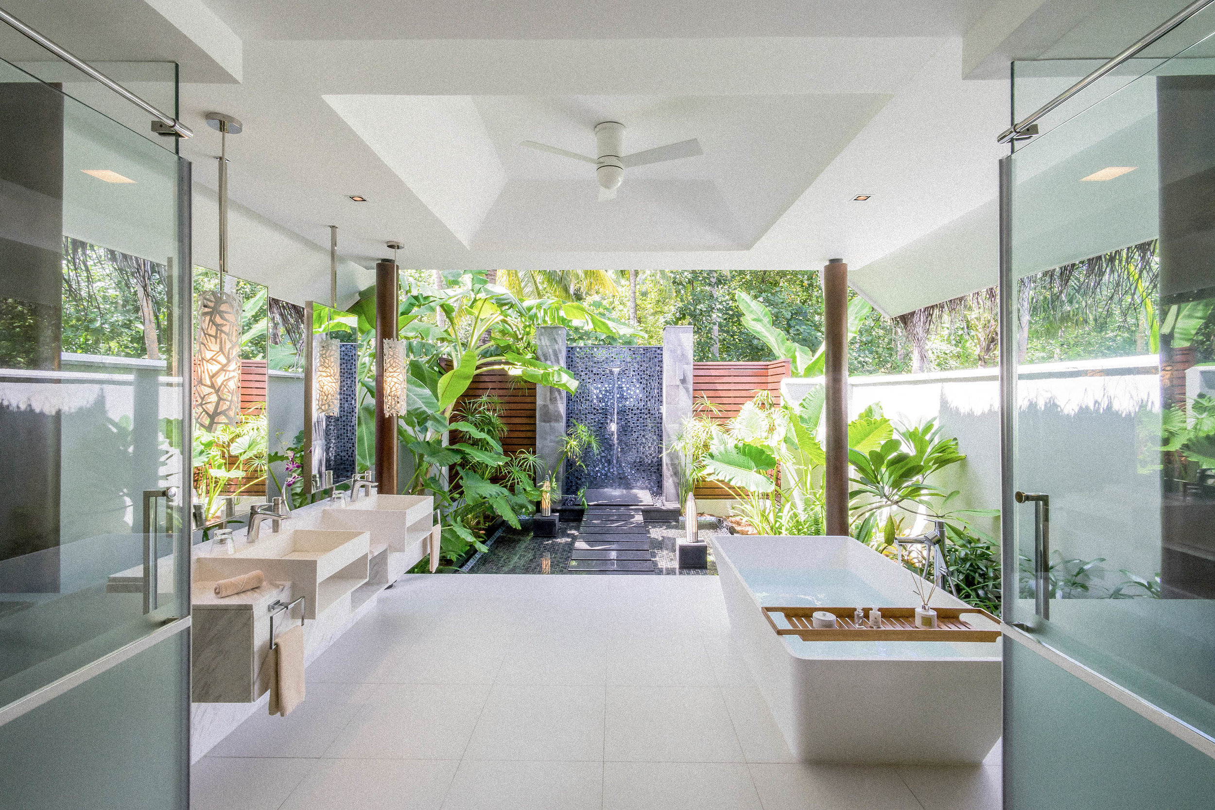Beach Pool Villa_Bathroom.jpg