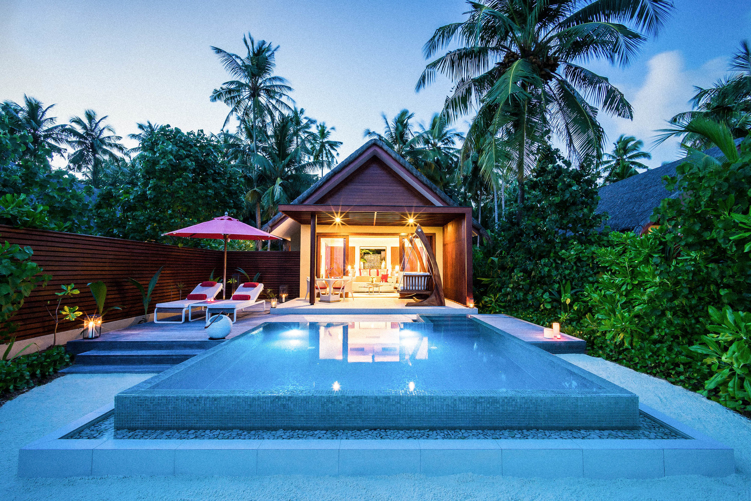 Beach Pool Villa_Night.jpg