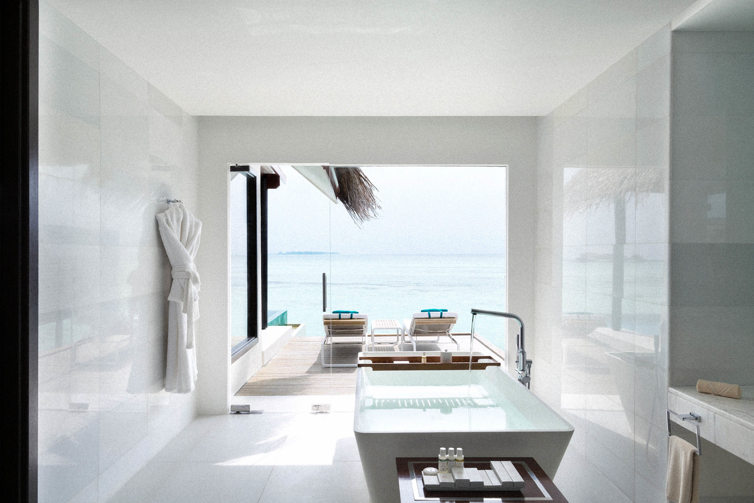 Water Pool Villa_Bathroom1.jpg