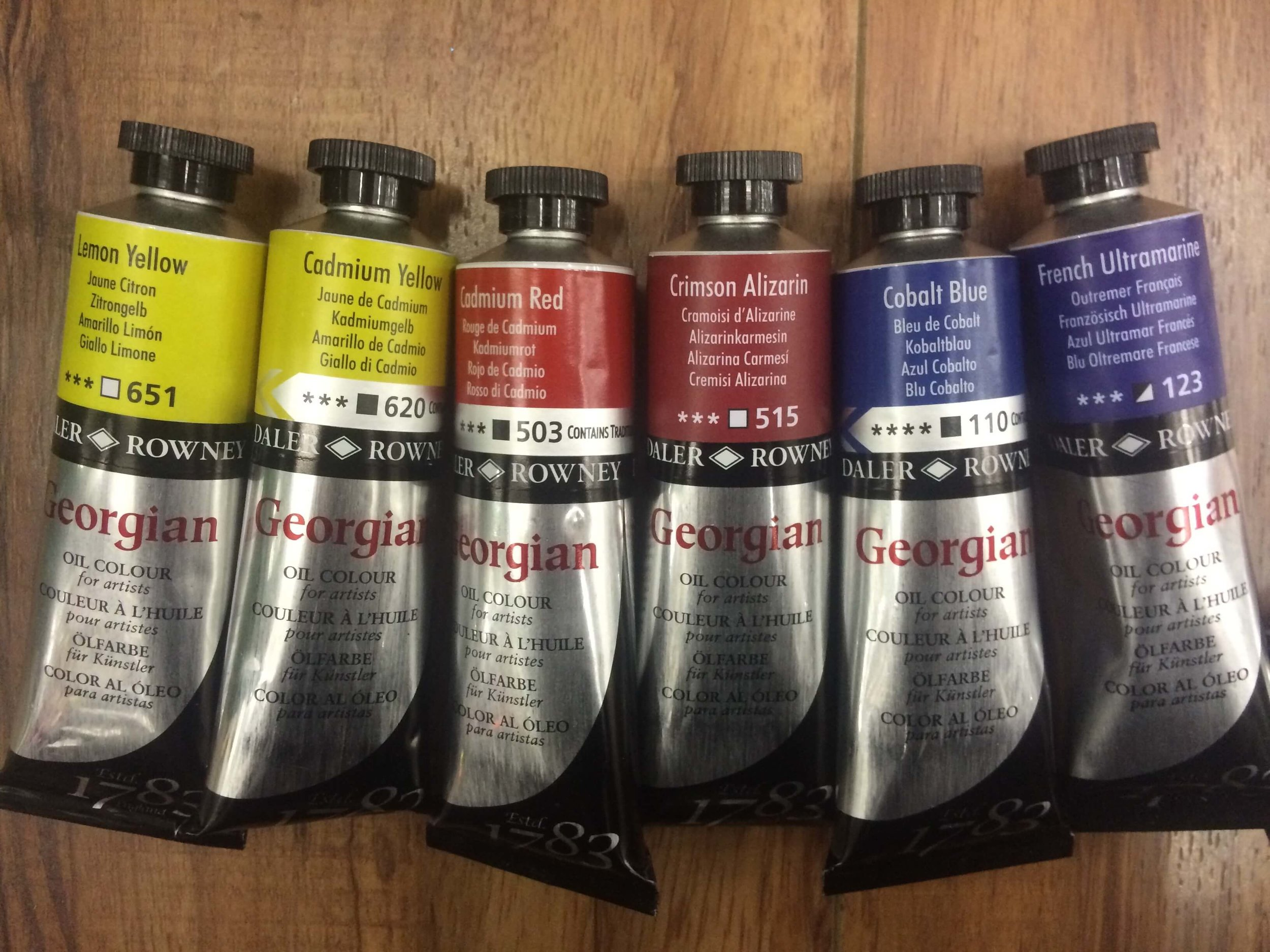 Daler Rowney | Georgian: Lemon Yellow, Cadmium Yellow, Cadmium Red, Crimson Alizarin, Cobalt Blue, French Ultramarine
