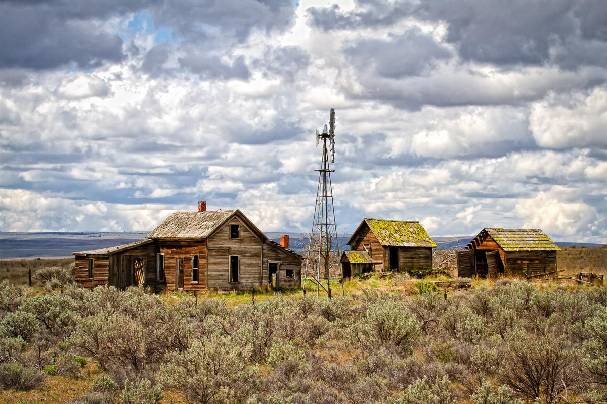 Old Oregon Ranch-.JPG