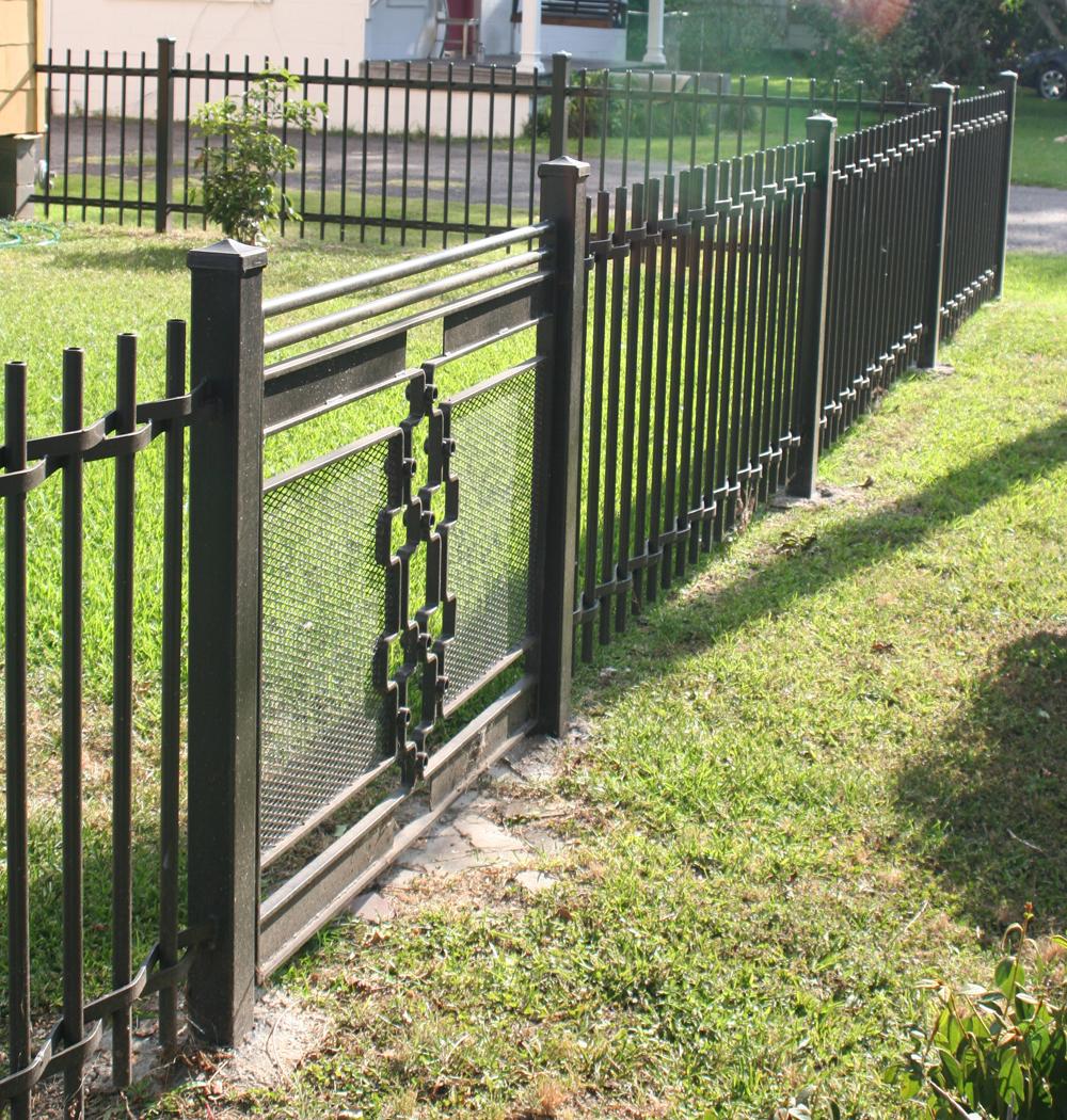 gate&fence.JPG