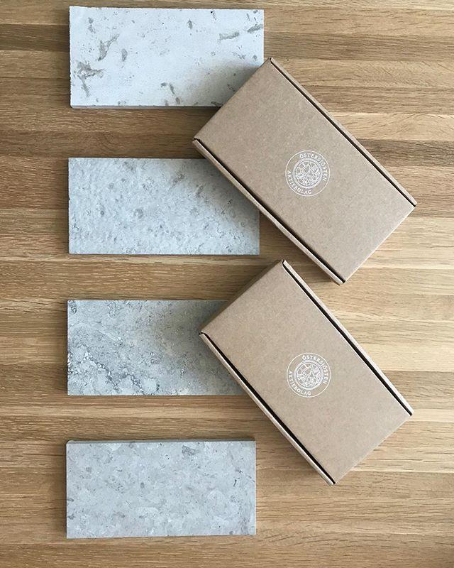 Just nu har vi både 200- och 300 mm fallande längder av Lindanäs slipad i lager. Beställ hem stenprover på vår hemsida. 🌿🌿 #lindanässlipad
