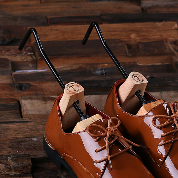 ENGRAVED SHOE TREES