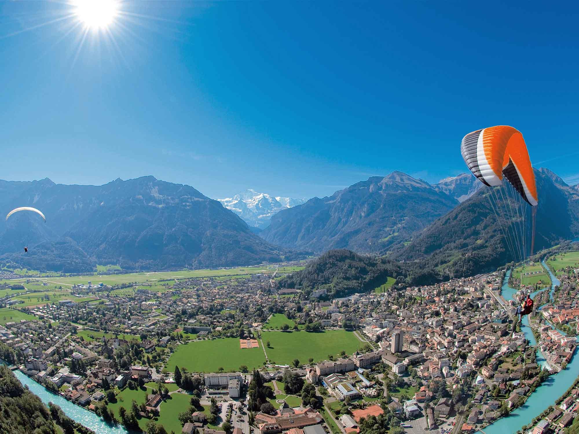 Paragliding in Interlaken