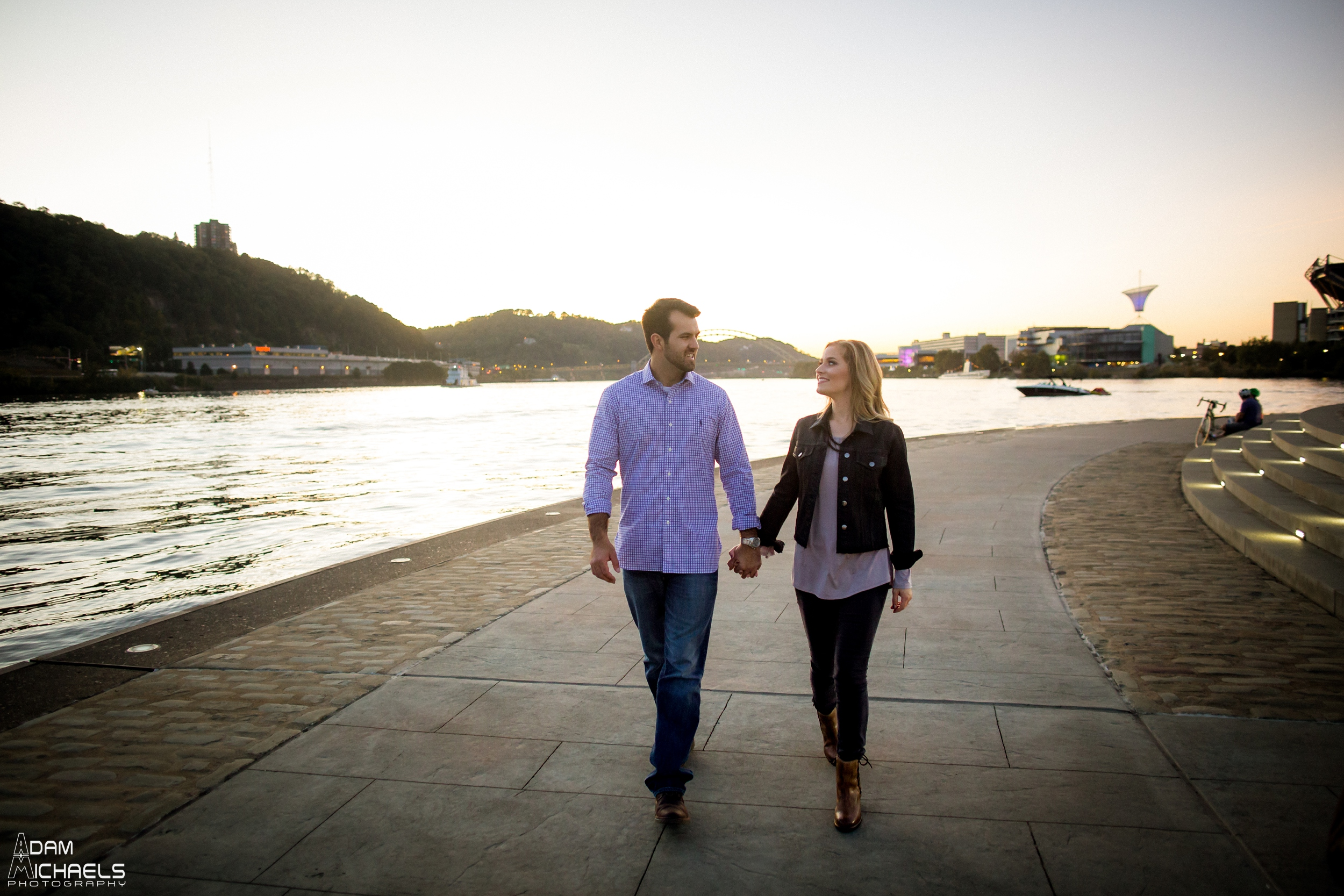 Sunset North Shore Point Engagement Pictures_0887.jpg