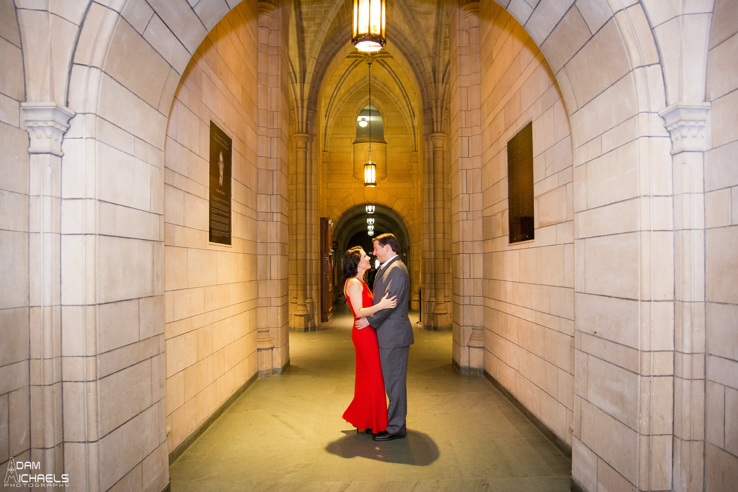 Pitt Cathedral of Learning Engagement Pictures_0894.jpg