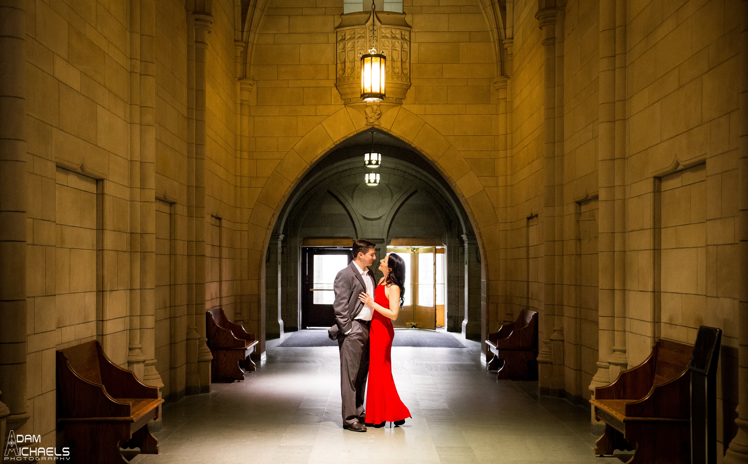 Pitt Cathedral of Learning Engagement Pictures_0899.jpg