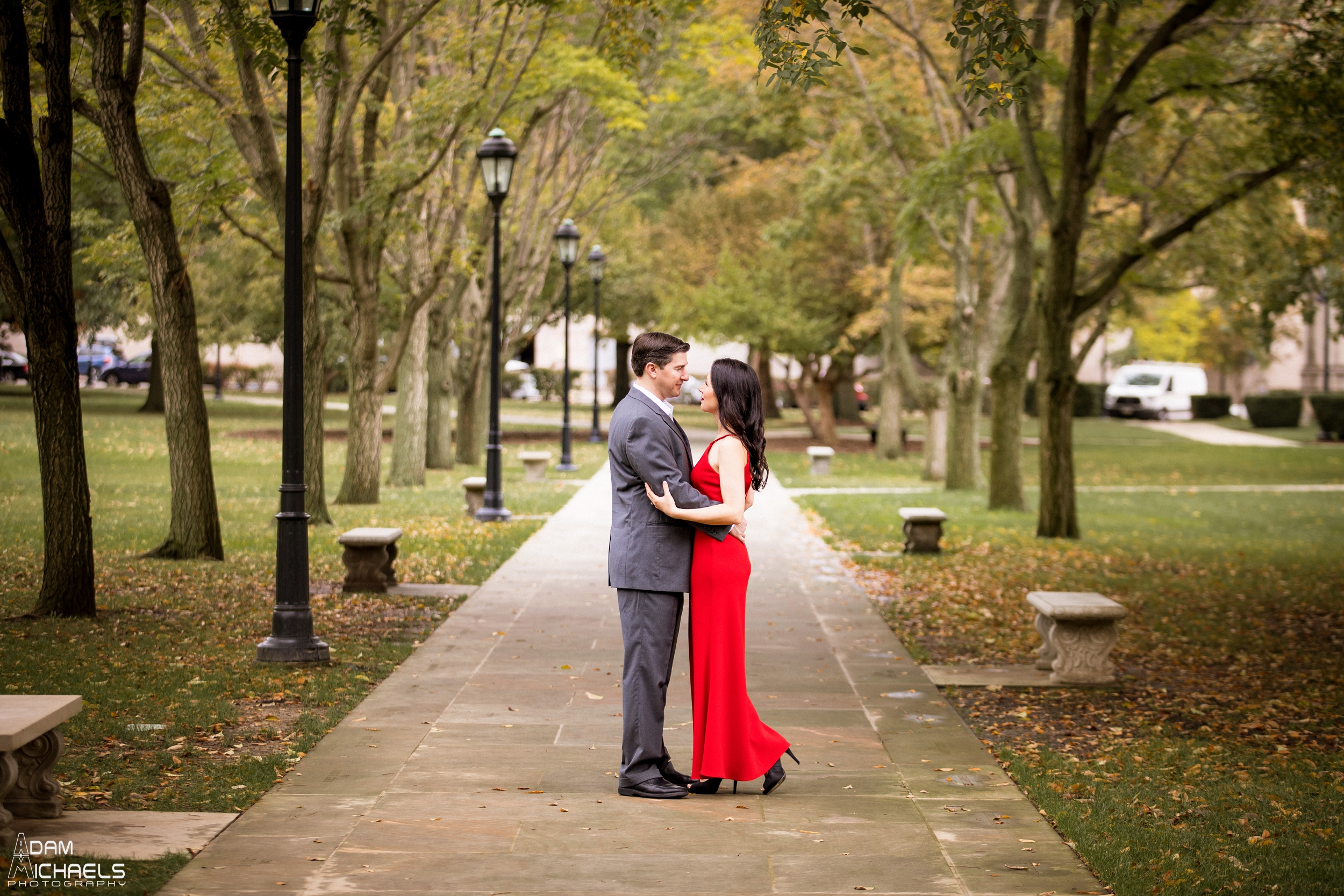 Pitt Cathedral of Learning Engagement Pictures_0906.jpg