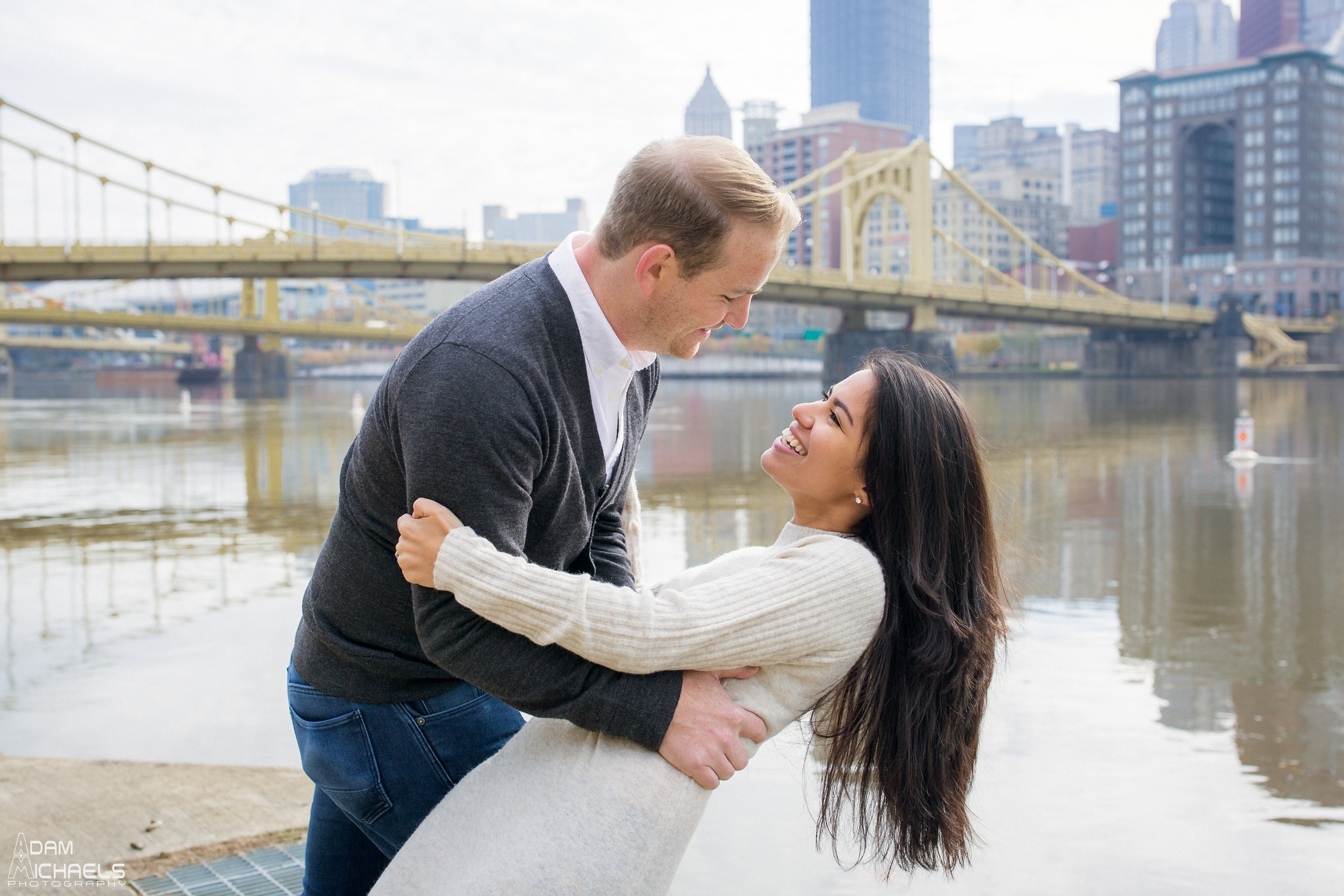 Clemente Bridge Engagement Pictures_1671.jpg