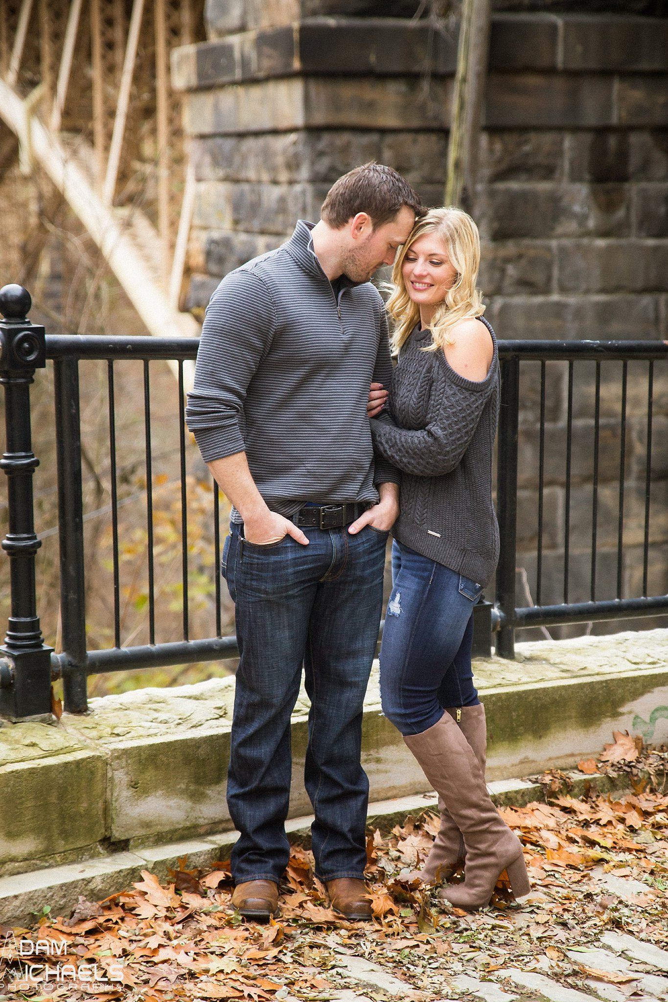 Schenley Park Fall Engagement_0227.jpg
