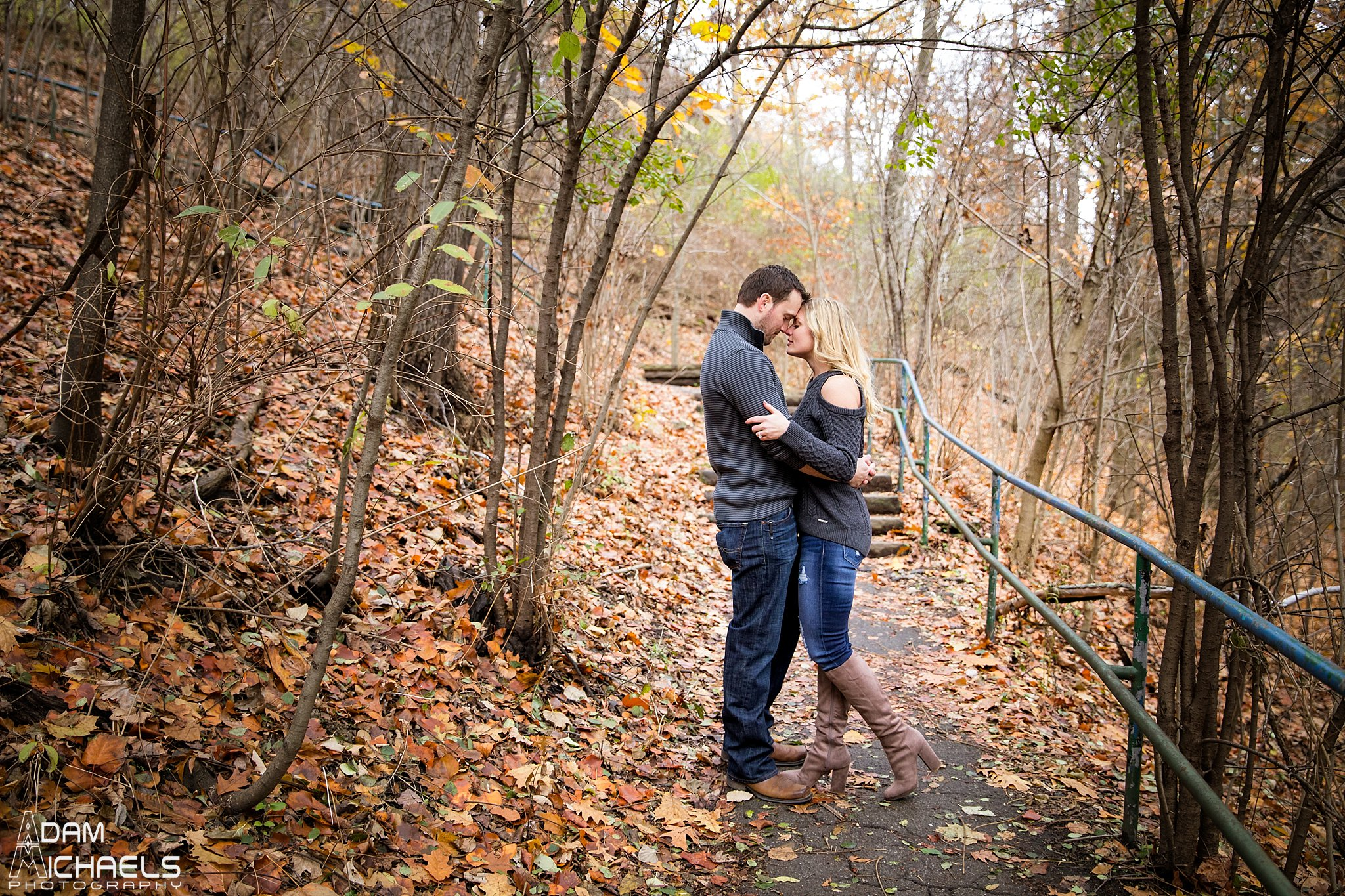 Schenley Park Fall Engagement_0232.jpg