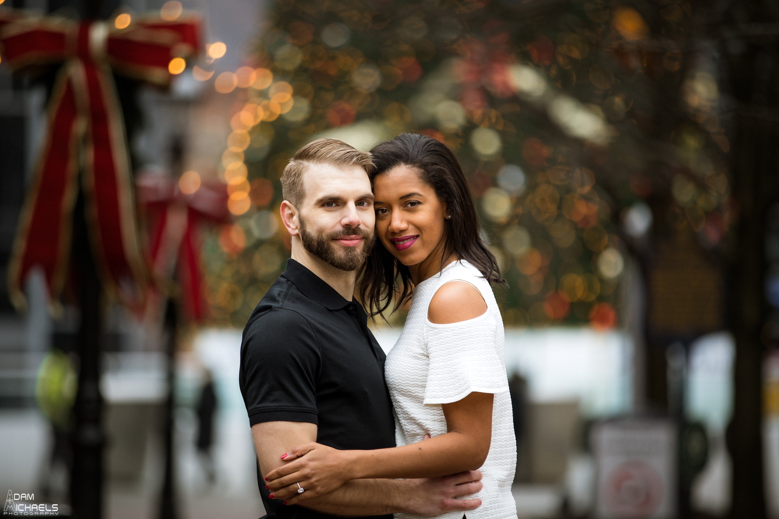Christmas Market Square Engagement Pictures_1875.jpg