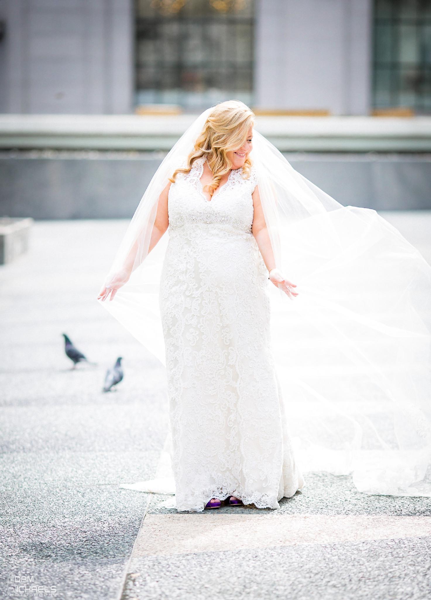 Mellon Square Pittsburgh Bride Wedding Portraits2114.jpg