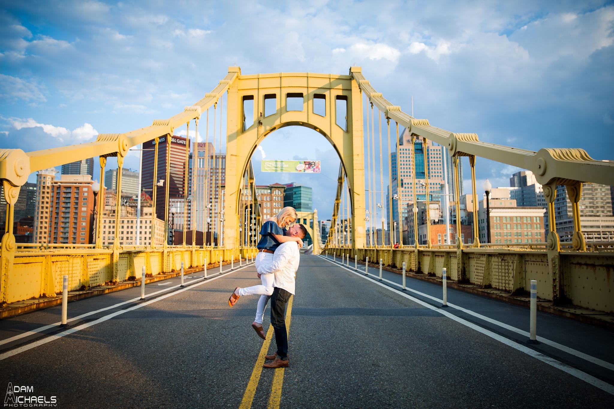 Clemente Bridge Engagement Pictures_2216.jpg