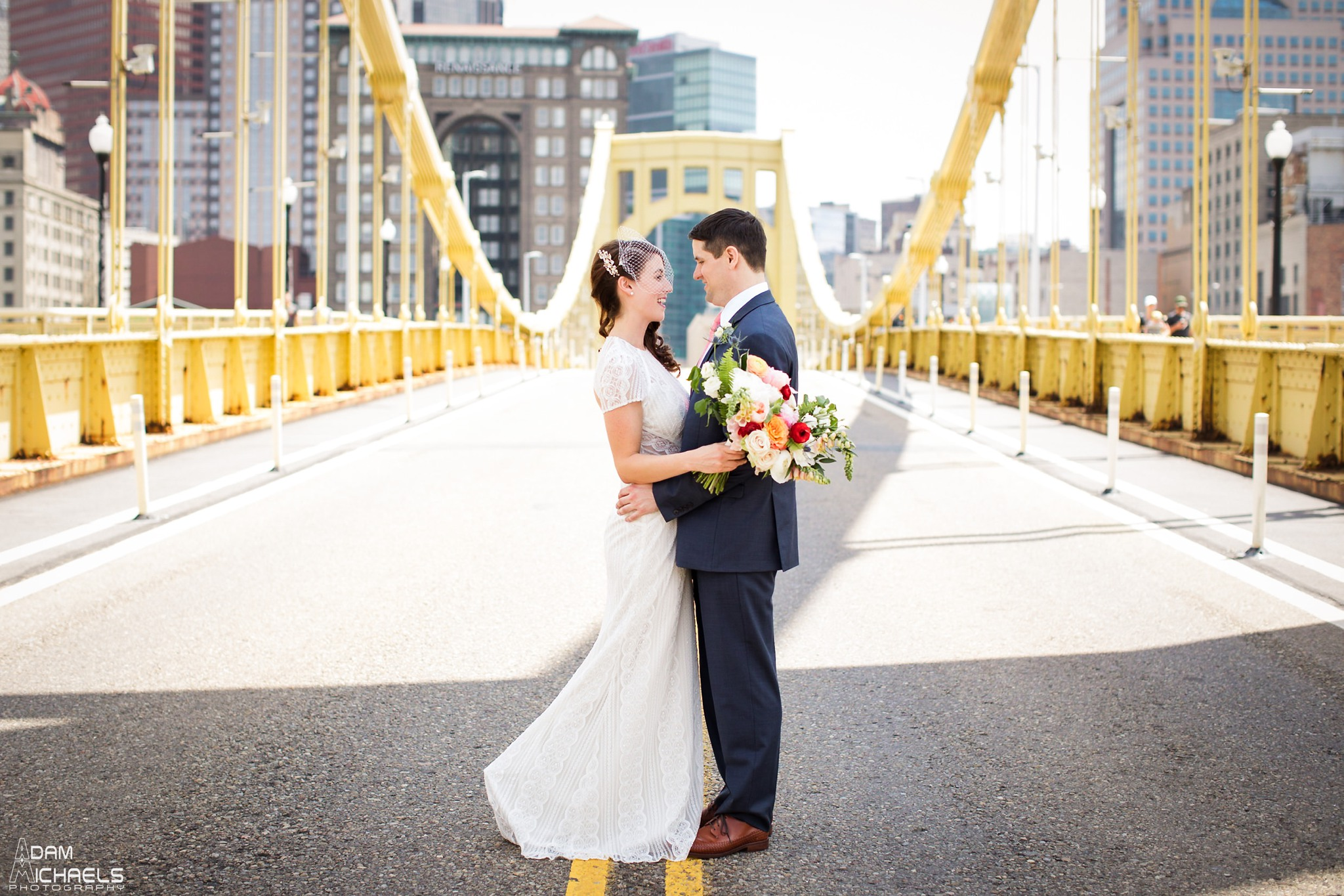 Clemente Bridge Pittsburgh Wedding Pictures_2293.jpg