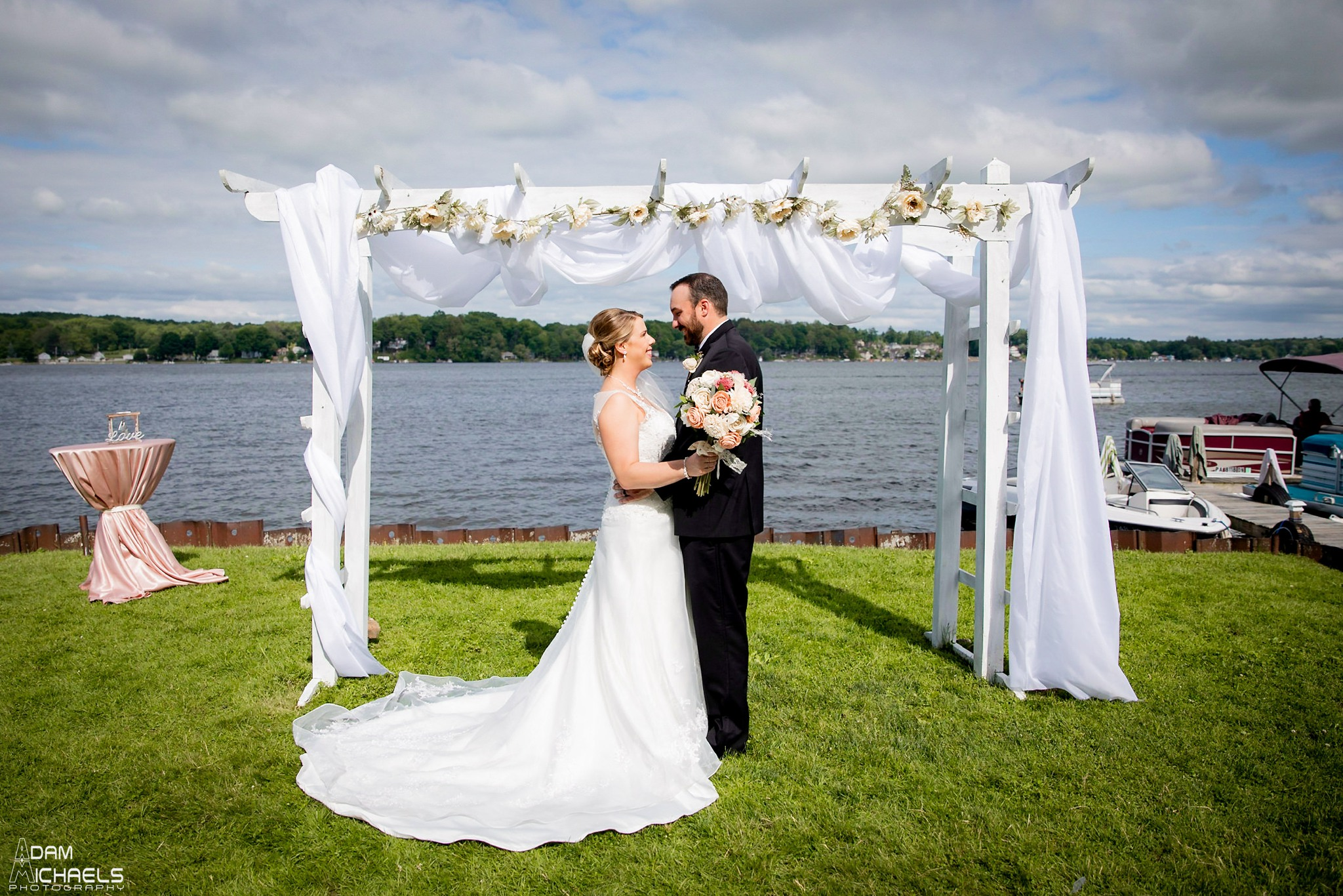Conneaut Lake Hotel Wedding Portraits_2411.jpg