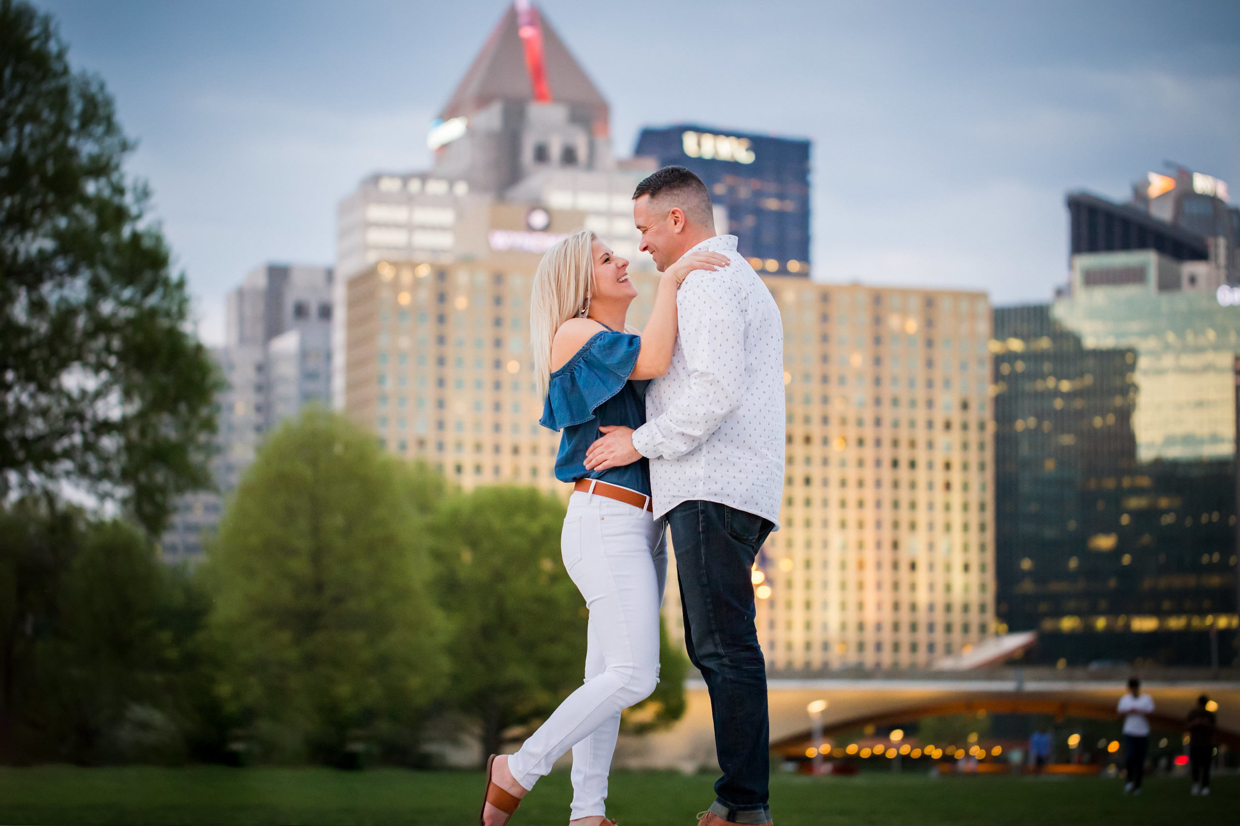 Point State Park The Point Wedding Engagement Picture Locations-37.jpg
