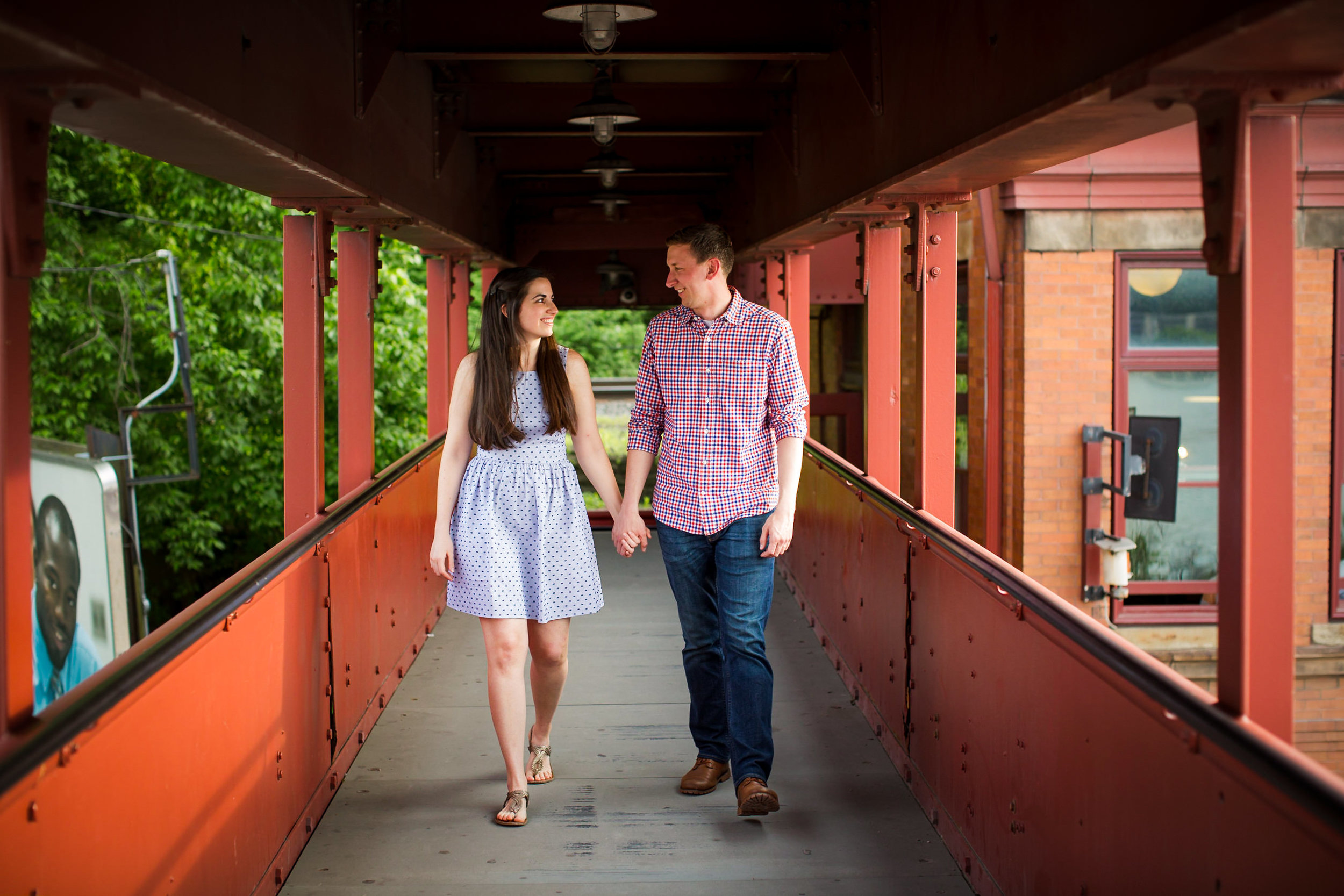 Station Square Duquesne Incline Wedding Engagement Picture locations-3.jpg