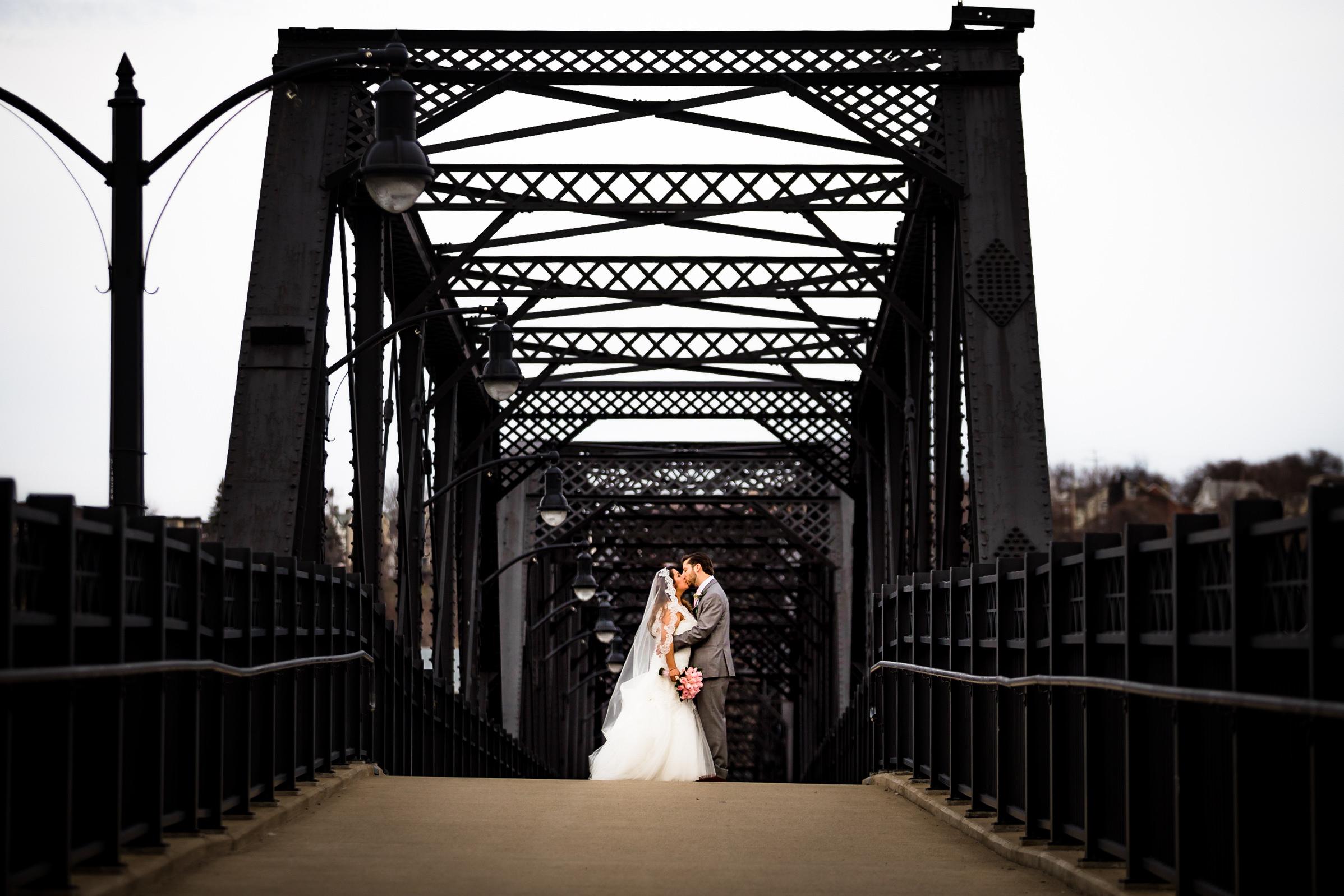 Southside Works Hot Metal Bridge Wedding Engagement Picture Locations-8.jpg
