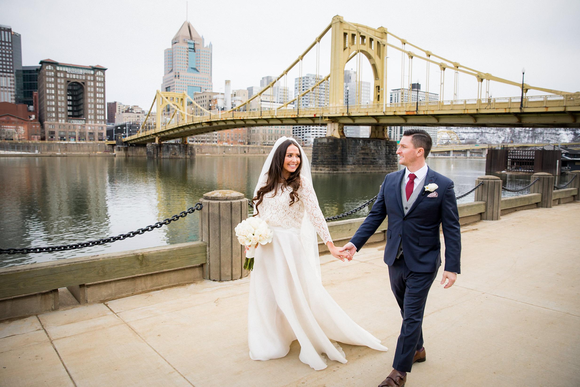 North Shore Clemente Bridge Wedding Engagement Picture Locations-3.jpg
