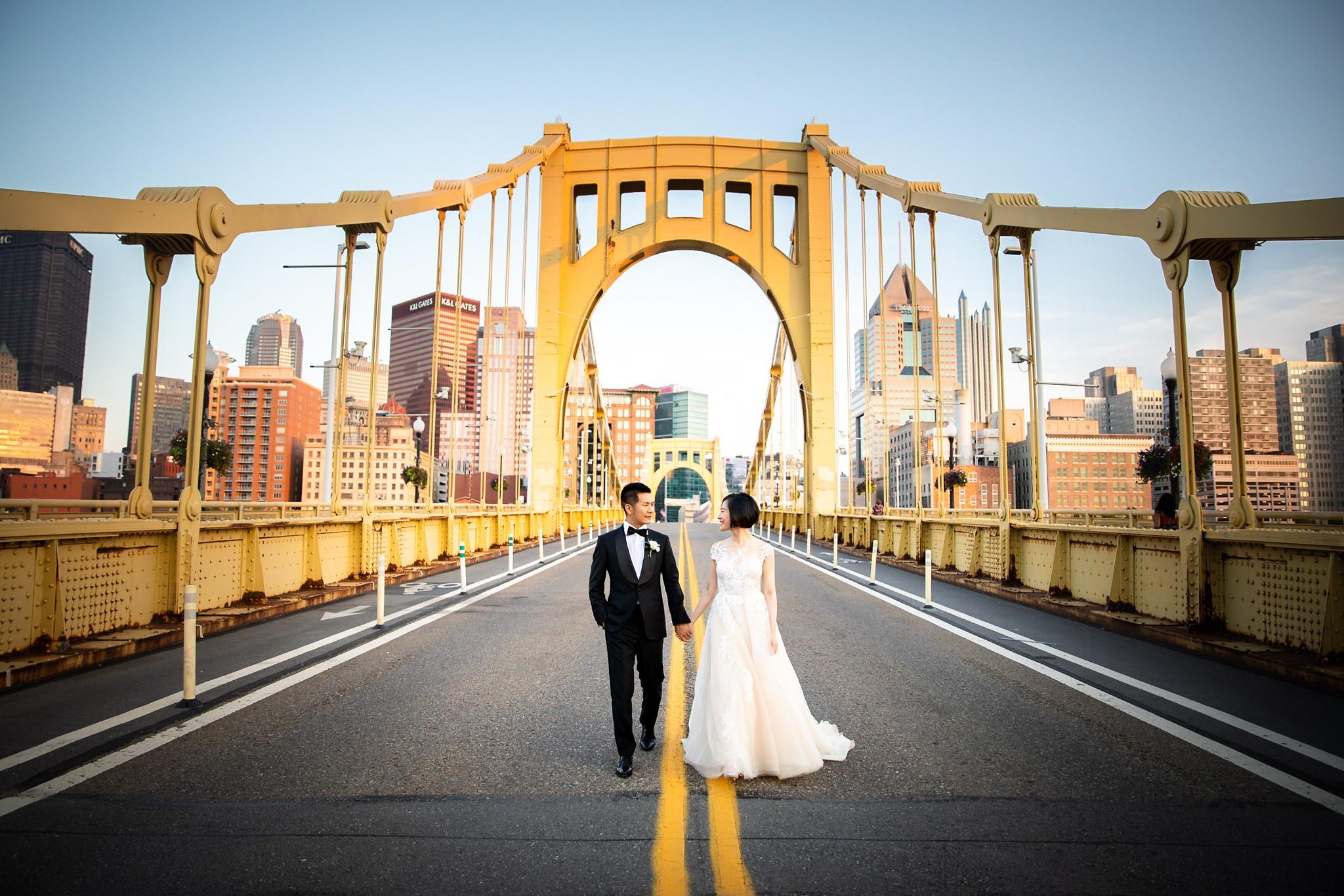 Clemente Bridge Pittsburgh Wedding Pictures_2566.jpg