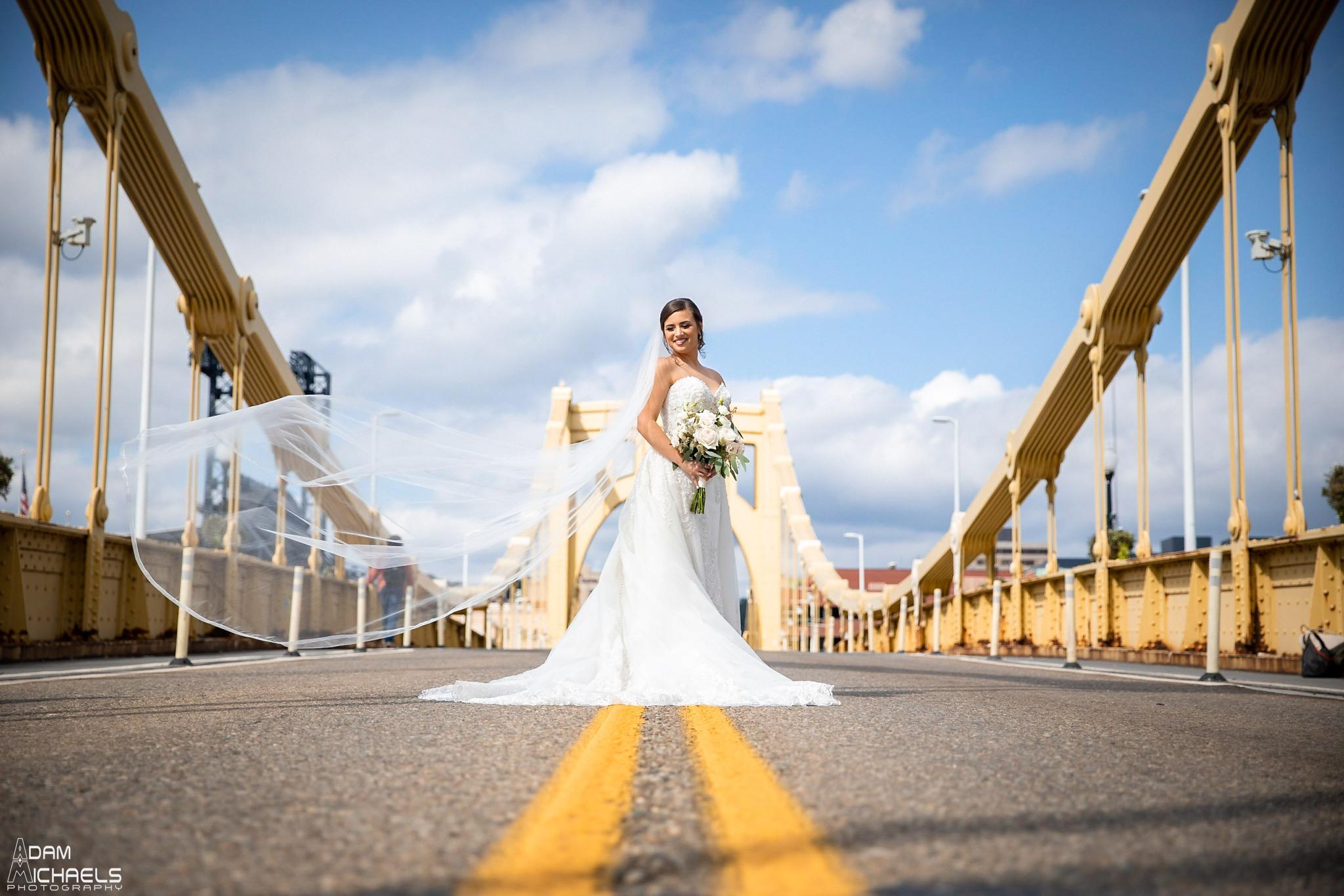 Pittsburgh Clemente Bridge Wedding Bridal Portraits _2596.jpg