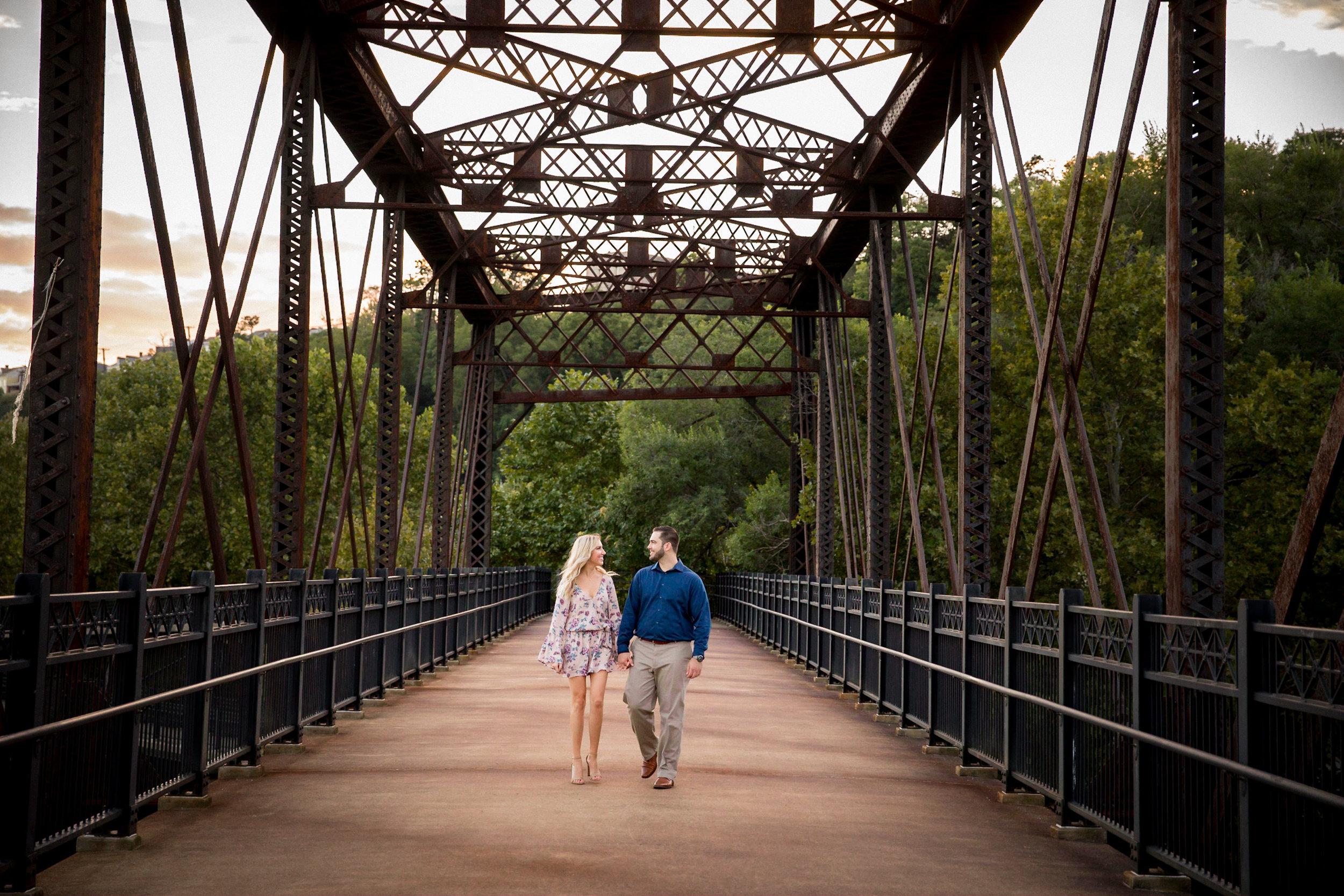 Washington's Landing Engagement Pictures-28.jpg