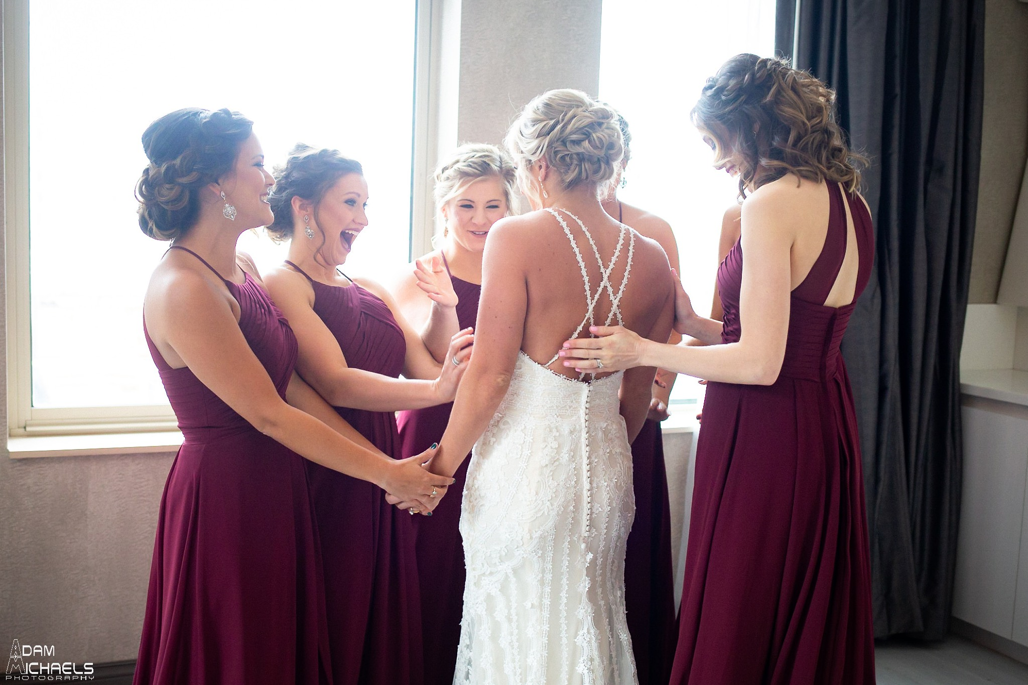 Pittsburgh Renaissance Hotel Wedding Bride Getting Ready_2882.jpg