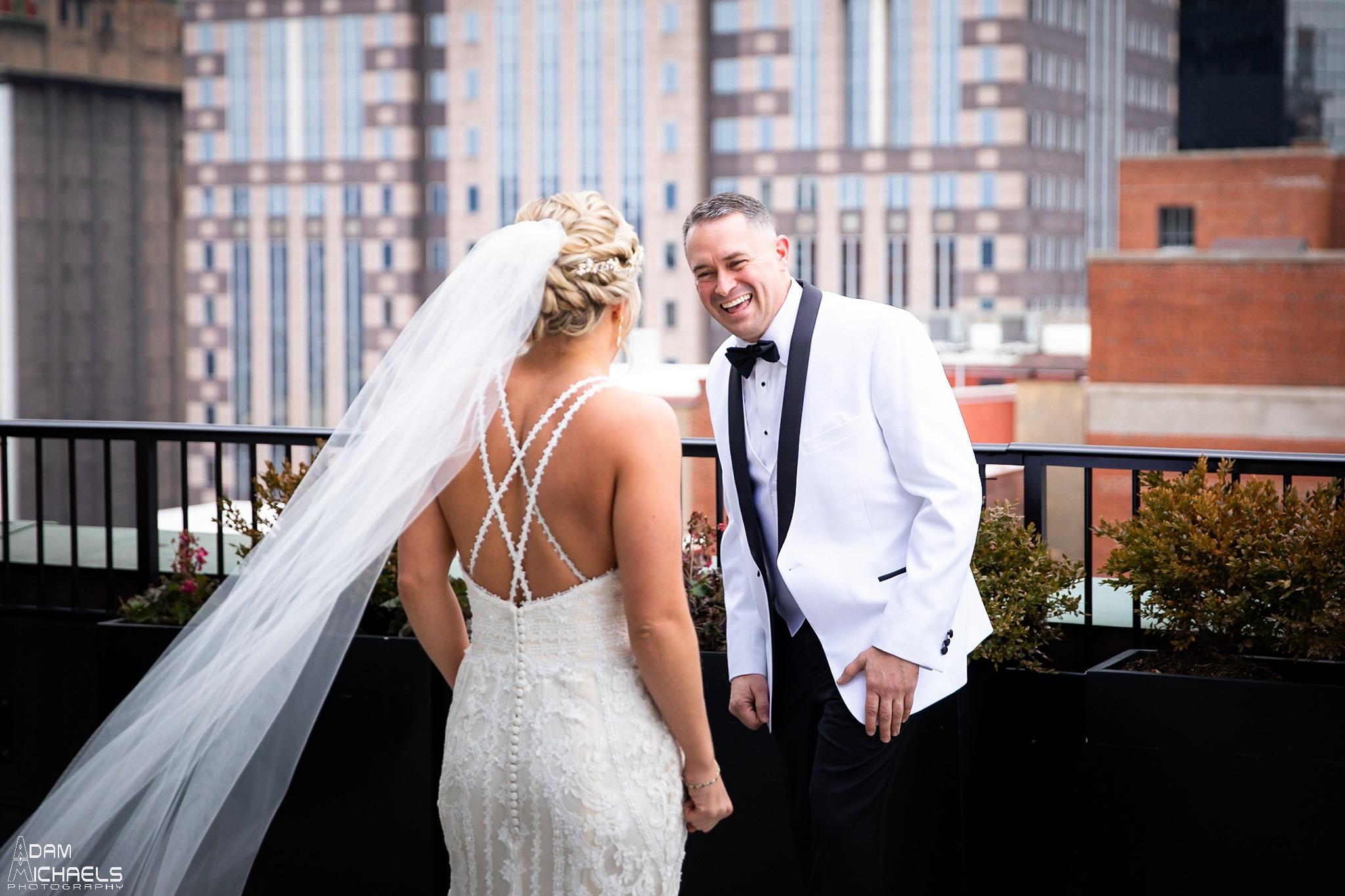 Pittsburgh Renaissance Hotel Wedding First Look Roof_2889.jpg
