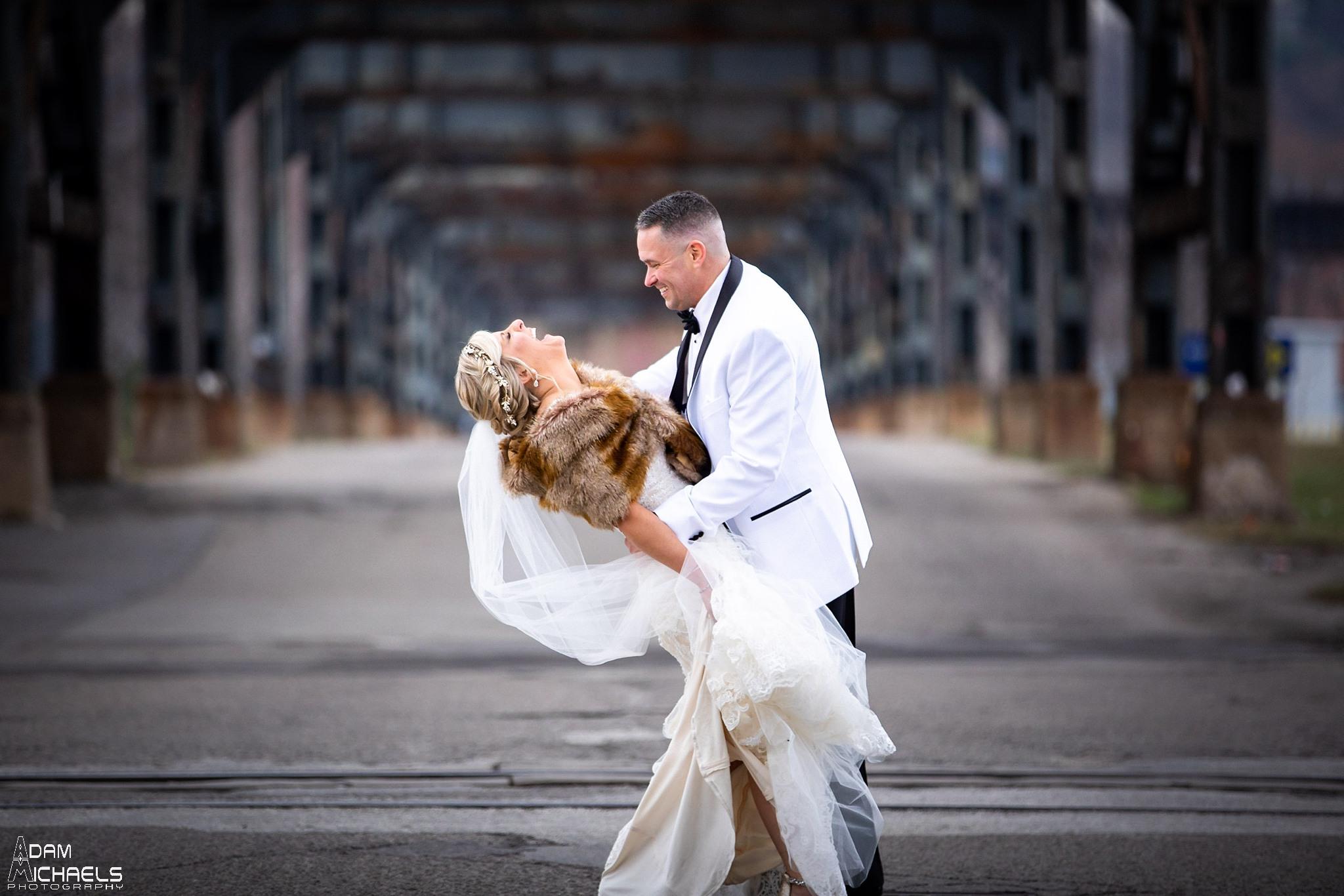 Pittsburgh Strip District 33rd Street Wedding Pictures_2904.jpg