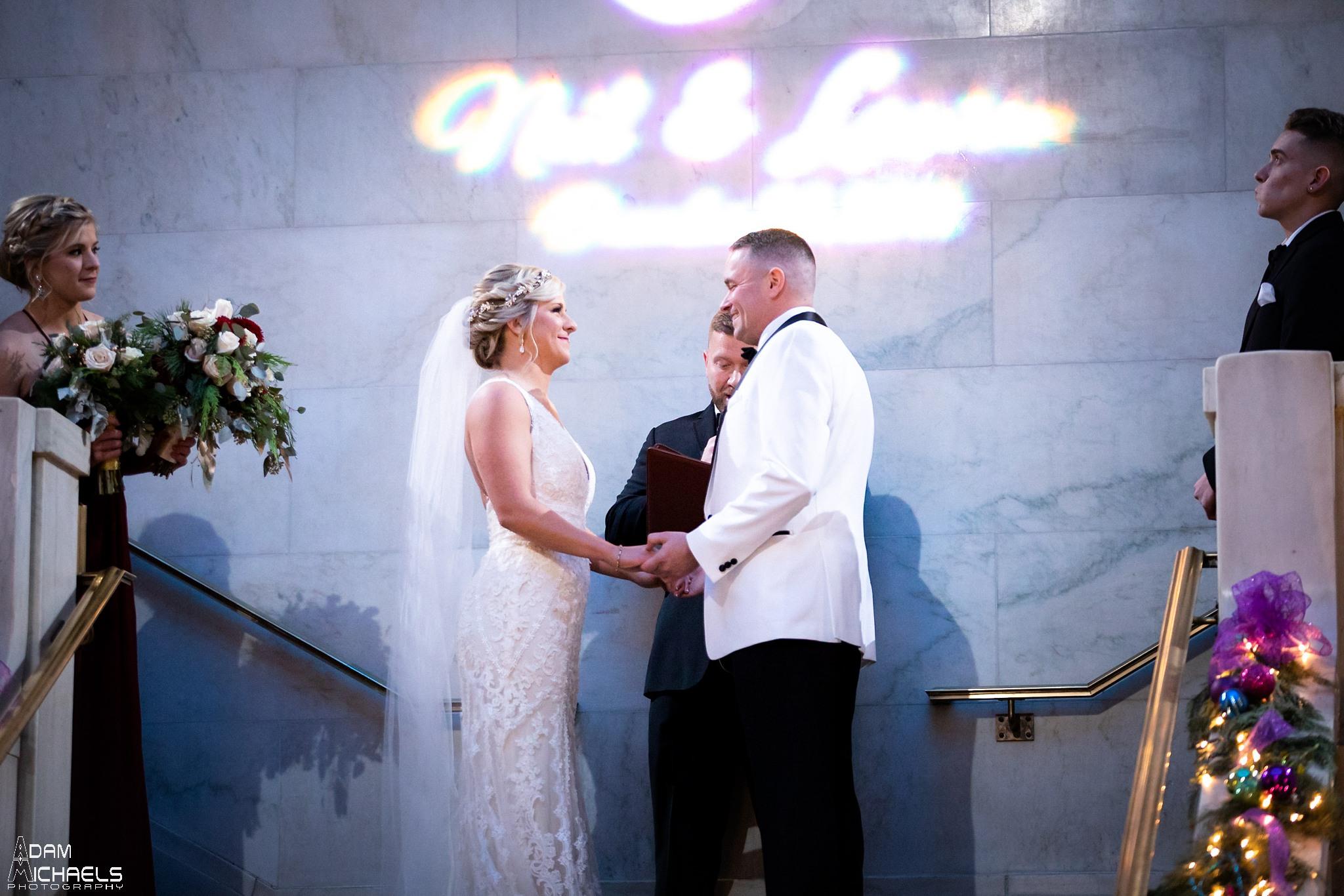 Pittsburgh Renaissance Hotel Wedding Ceremony Pictures_2919.jpg