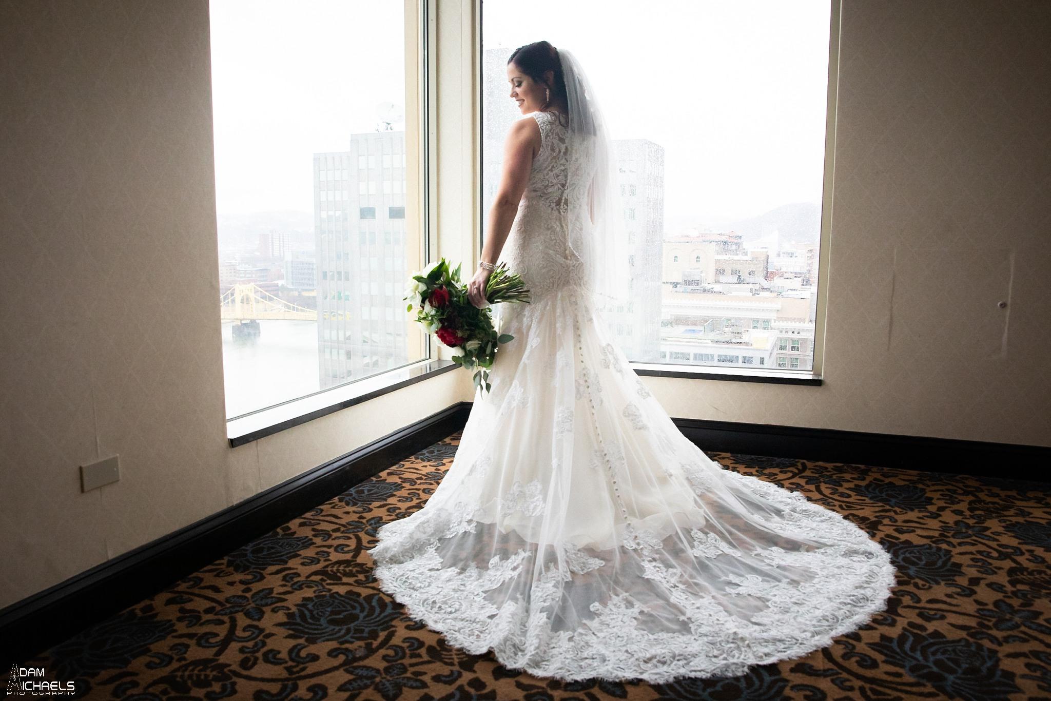 Wyndham Grand Pittsburgh Wedding Bride Getting Ready_2977.jpg