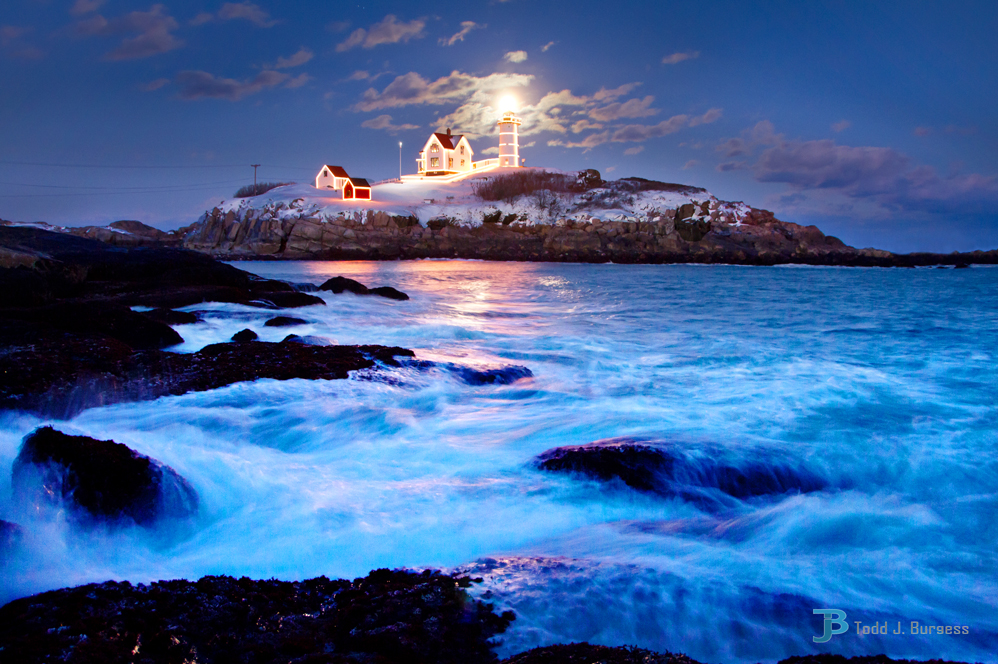 Nubble-moon-sml-last.jpg