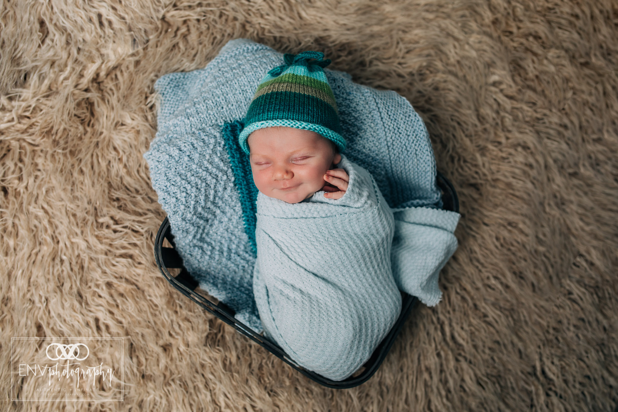 Mount Vernon Columbus Ohio newborn Photographer (2).jpg