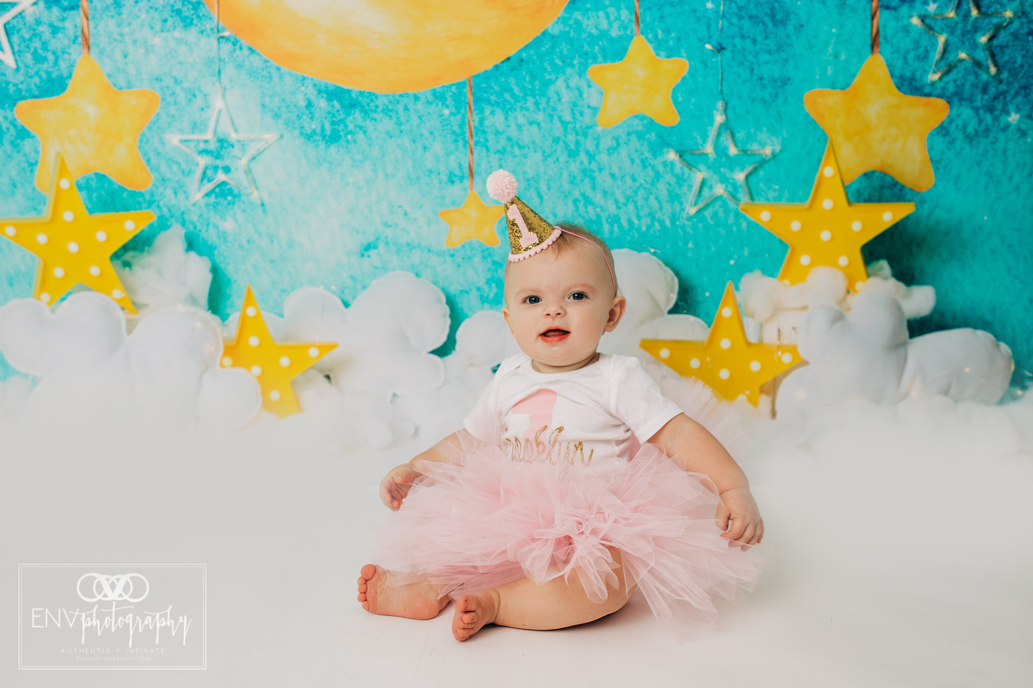 Mount Vernon Columbus Ohio Family Photographer First Birthday (11).jpg