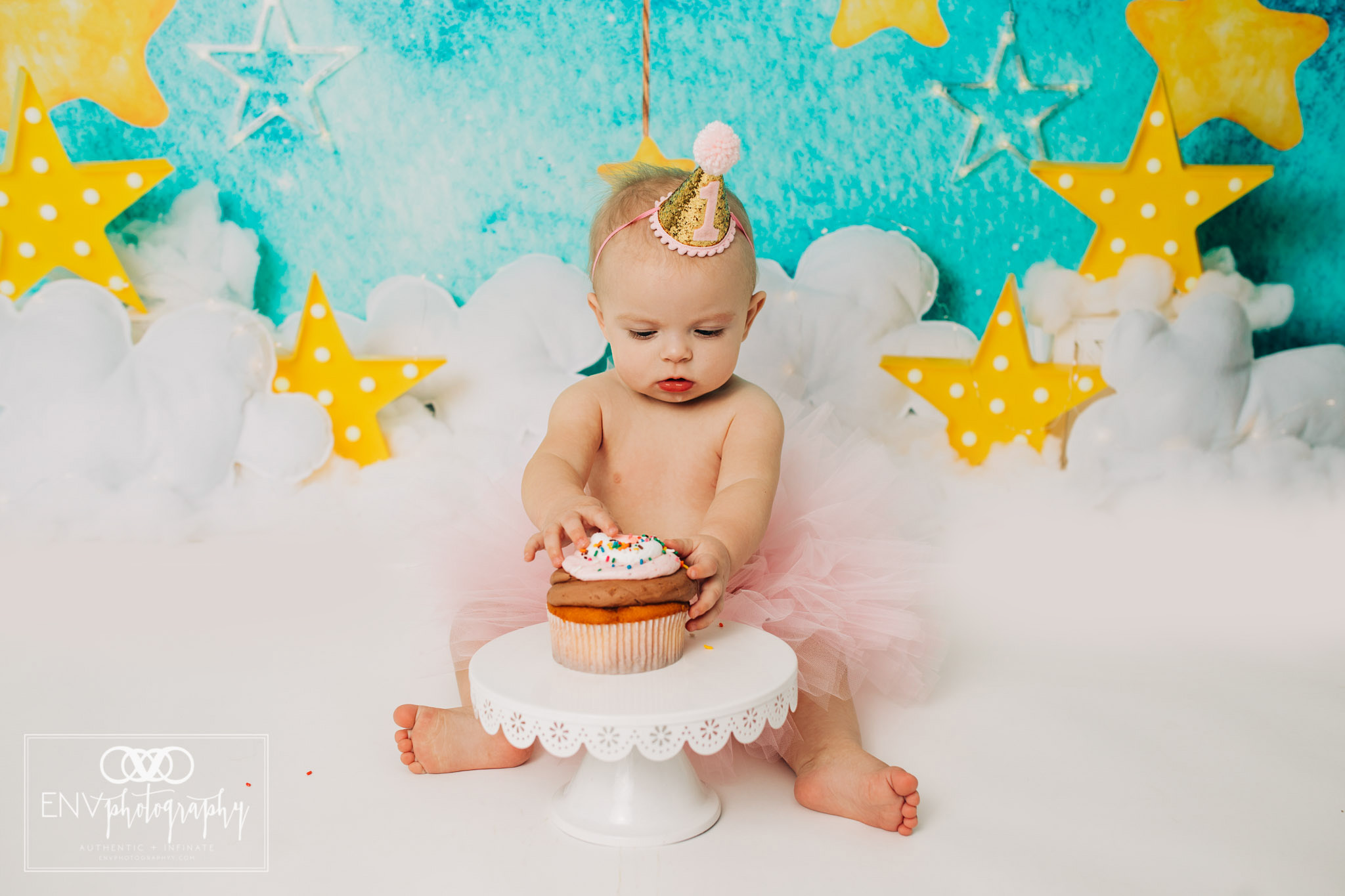 Mount Vernon Columbus Ohio Family Photographer First Birthday (12).jpg