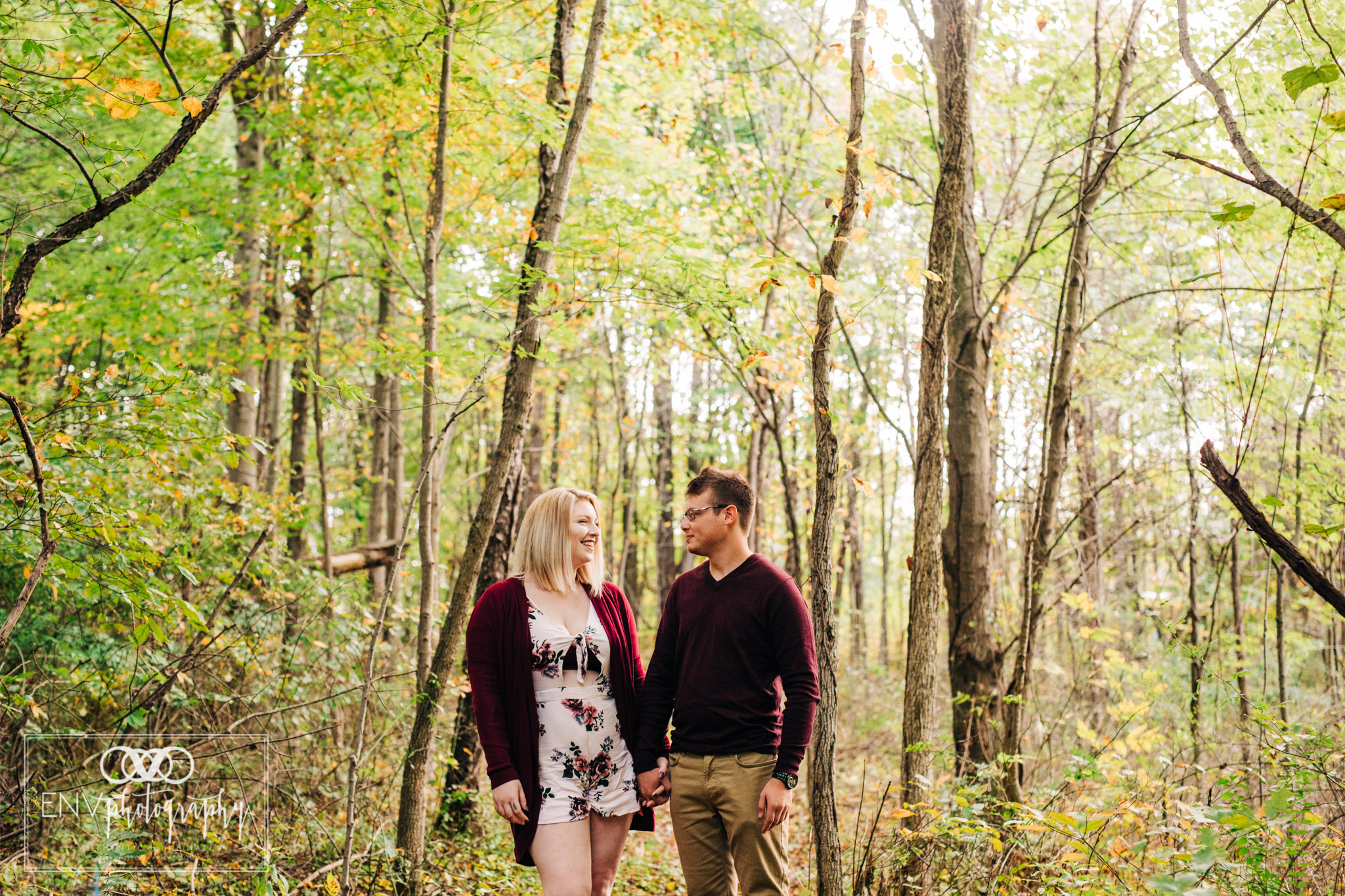 Mount Vernon Ohio Columbus Ohio engagement photography (3).jpg