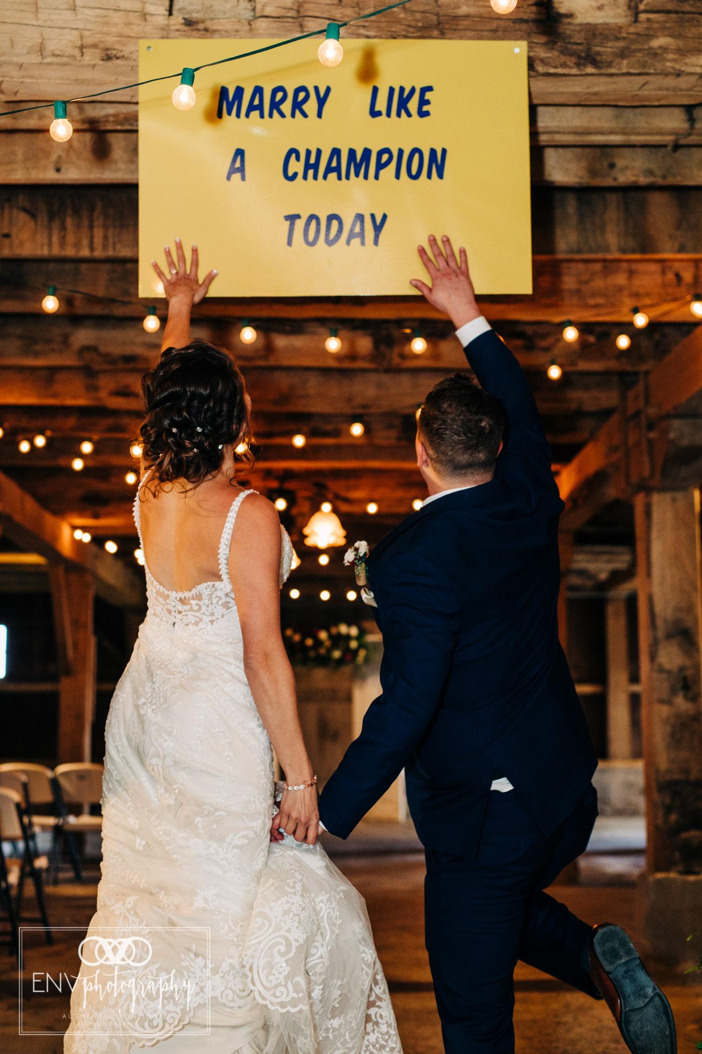 Mount Vernon Ohio Columbus Ohio Barn Wedding Photography Gibson (2).jpg