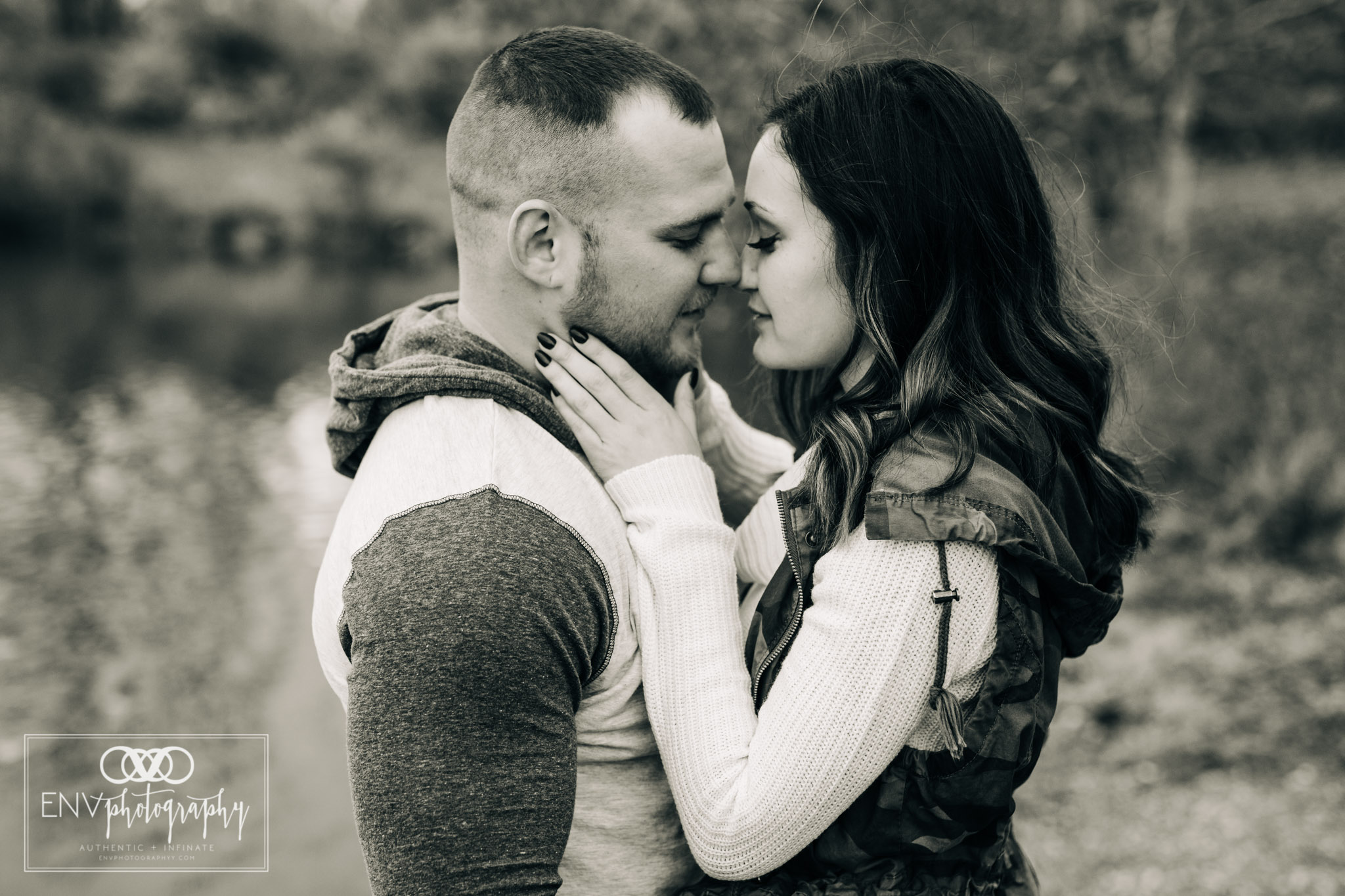 Mount Vernon Columbus Ohio Fall Couple Photography (9).jpg