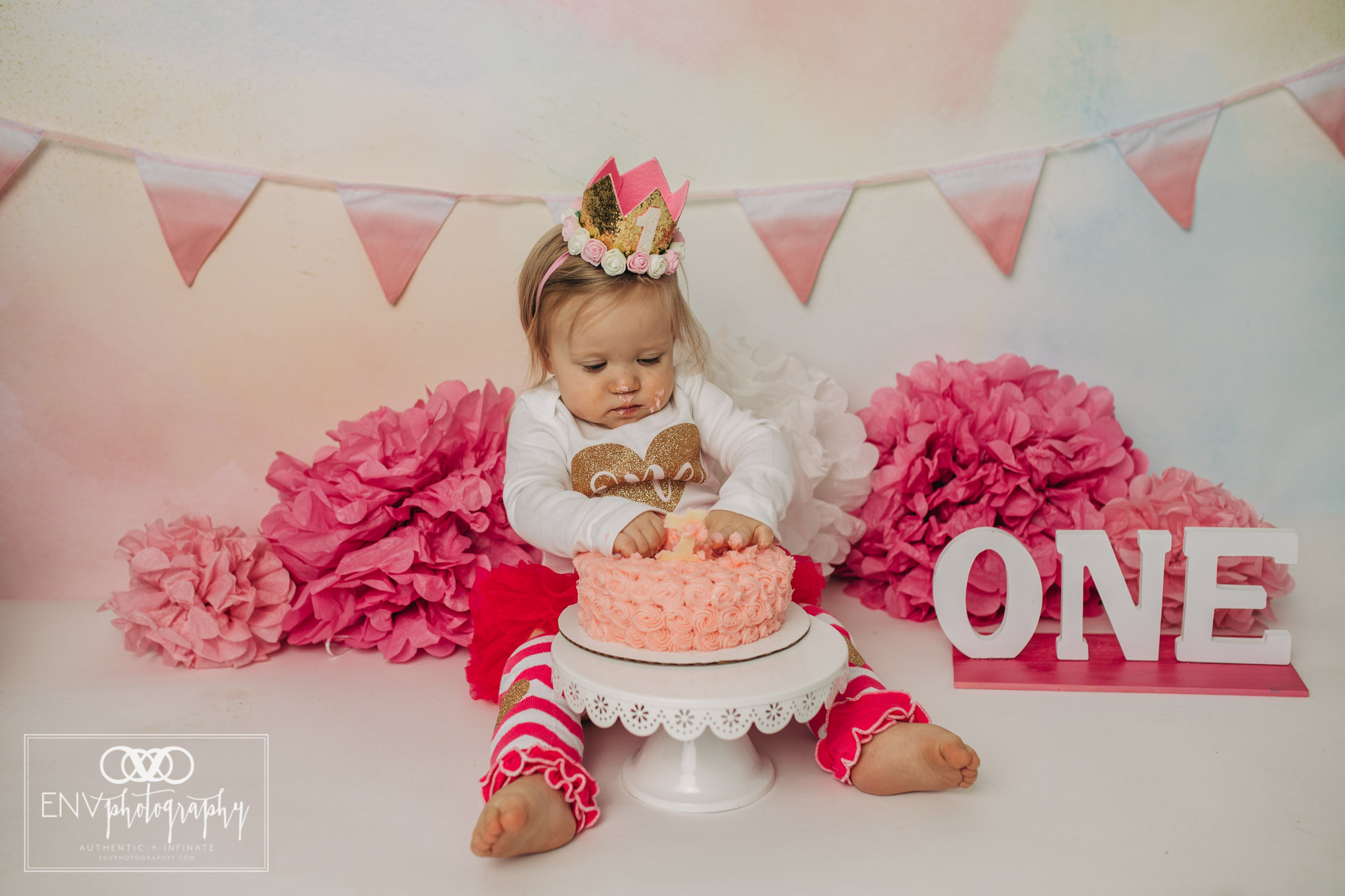 Mount Vernon Ohio Columbus Ohio First Birthday Smash Cake family photographer (21).jpg