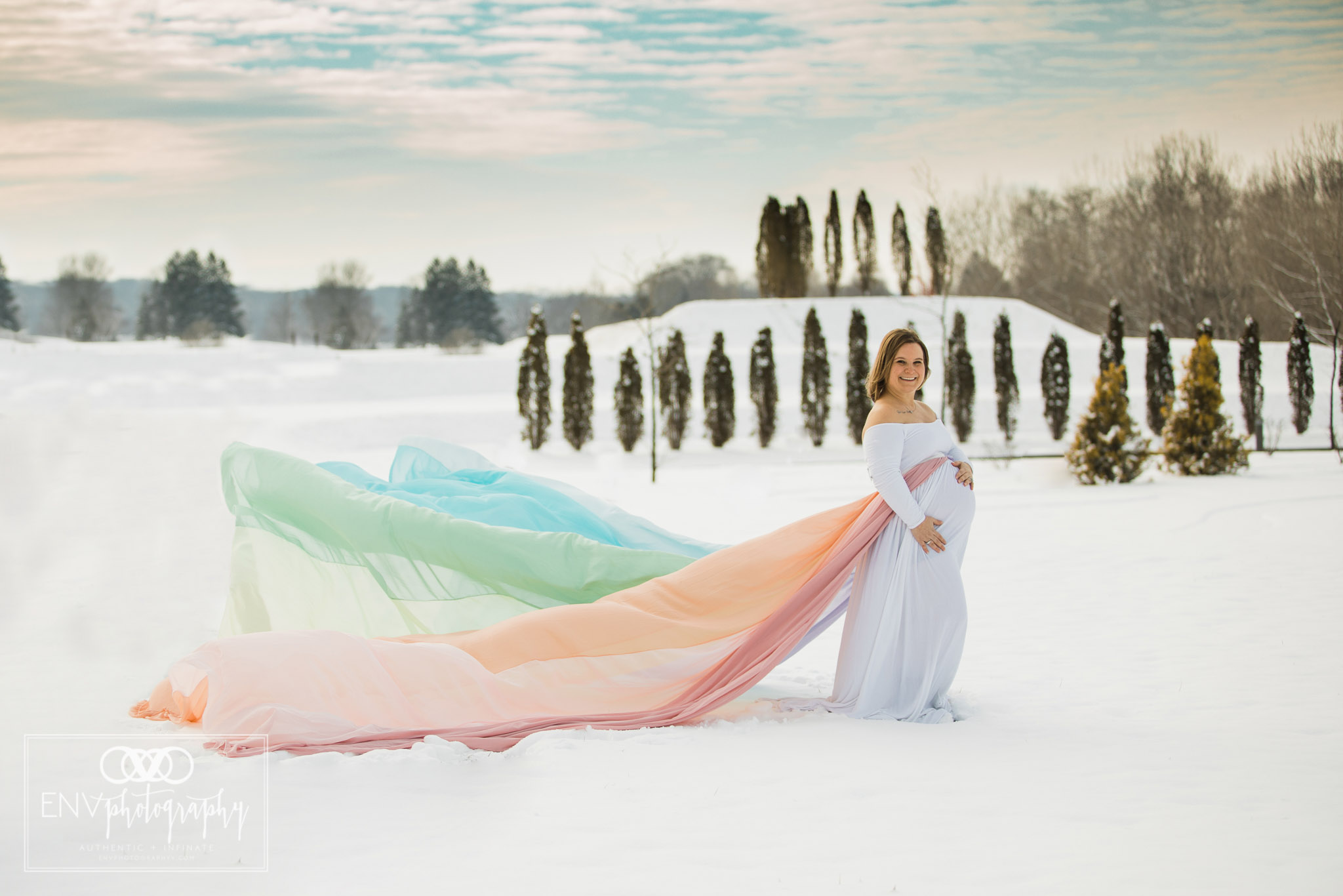 columbus ohio mount vernon ohio rainbow baby snowy winter maternity session  (2).jpg