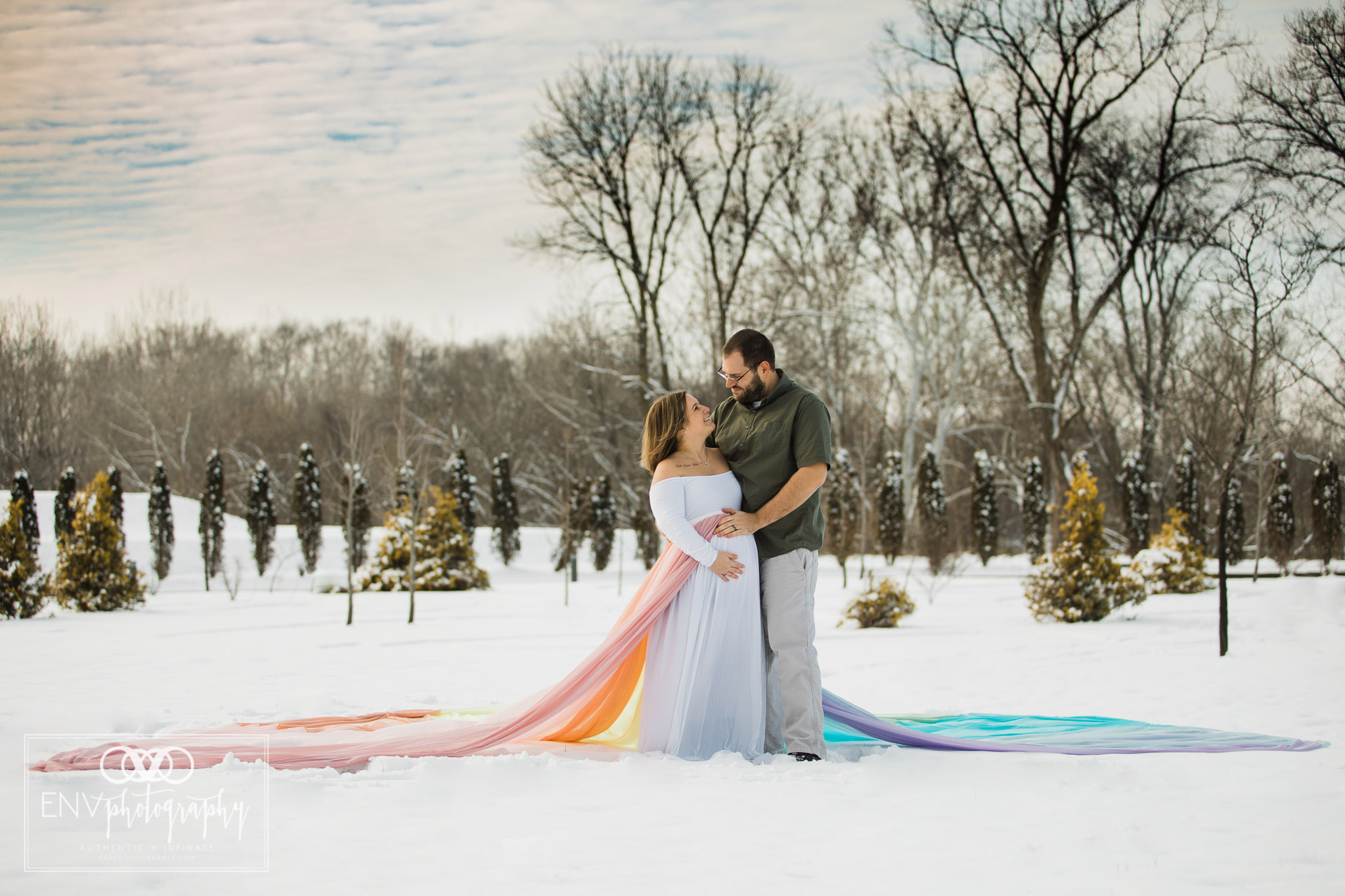 columbus ohio mount vernon ohio rainbow baby snowy winter maternity session  (4).jpg