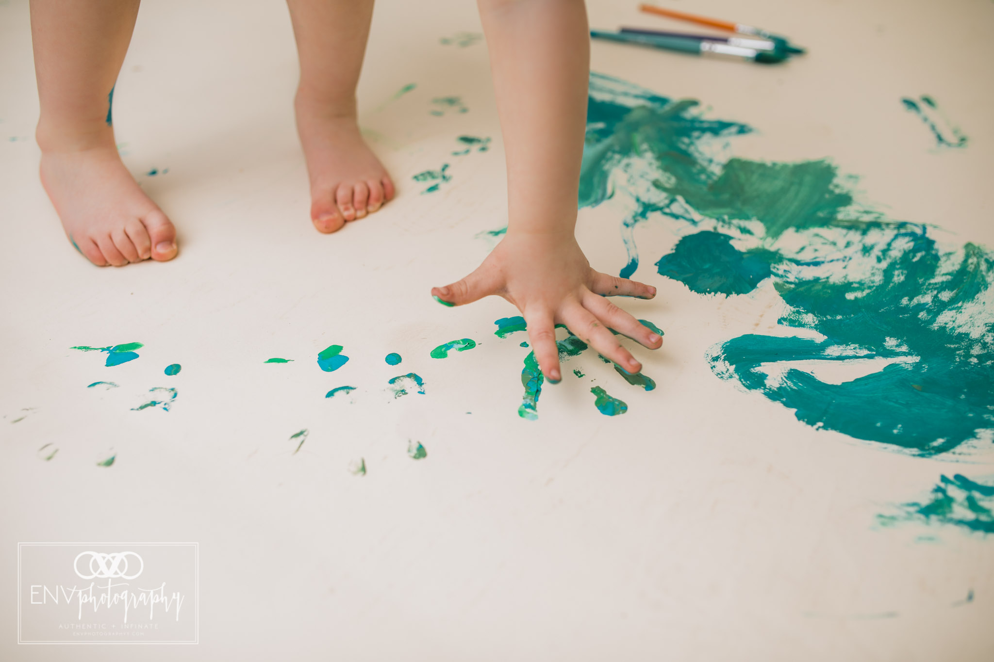 mount vernon columbus ohio three year painting session family photography (16).jpg