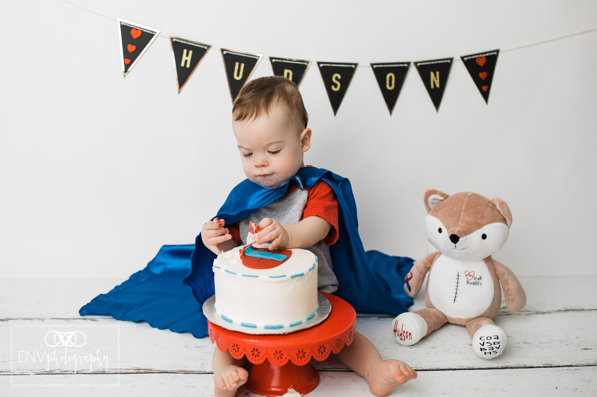 Mount Vernon Columbus Ohio Family Photographer First Birthday Cake Smash (19).jpg
