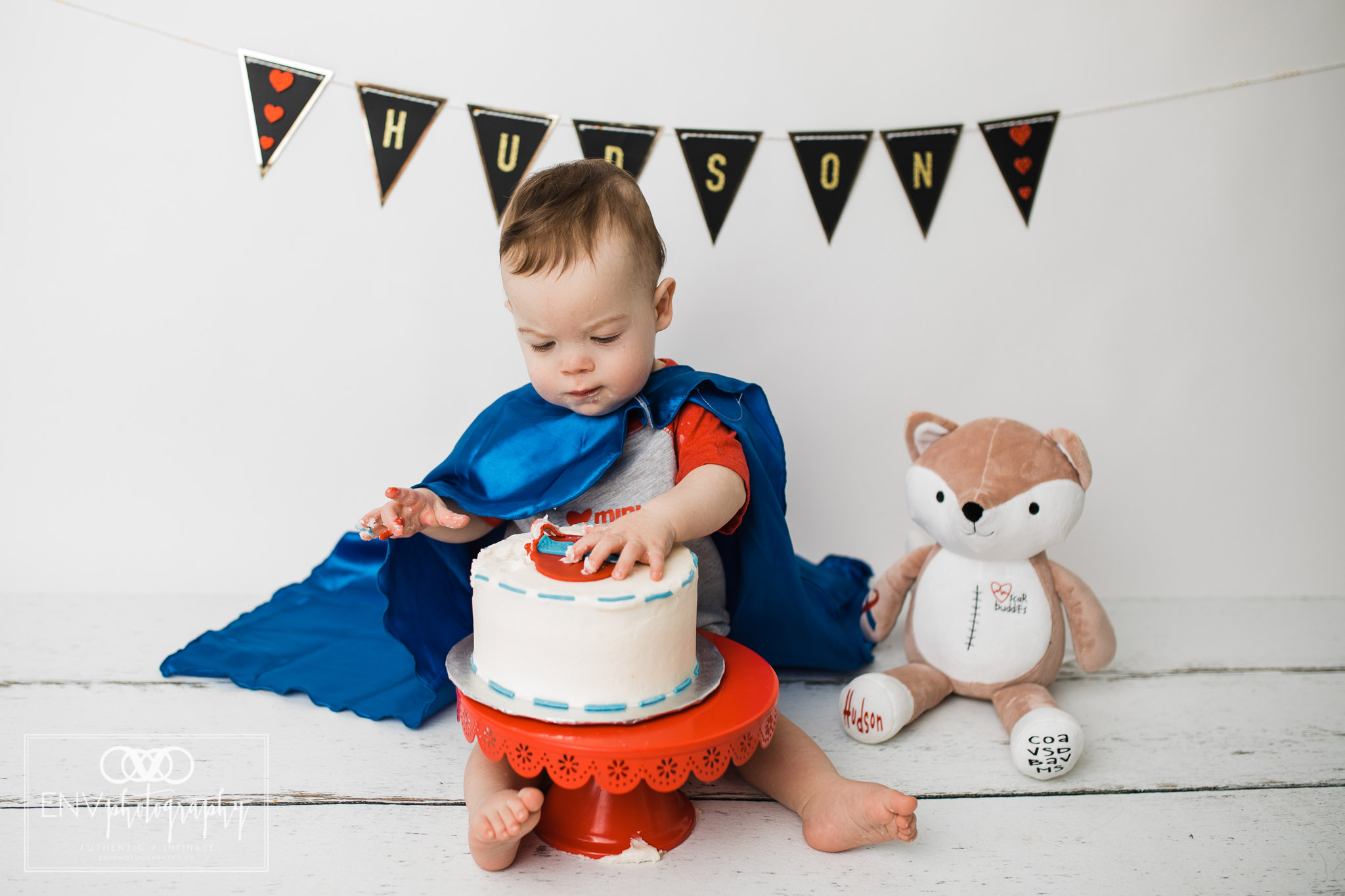 Mount Vernon Columbus Ohio Family Photographer First Birthday Cake Smash (20).jpg