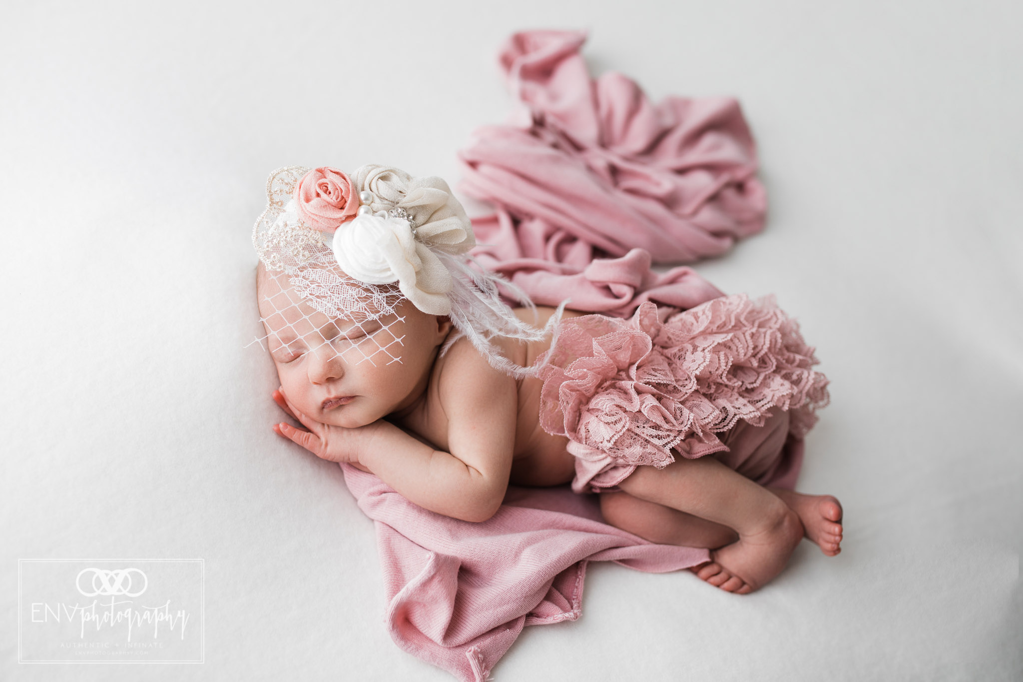 columbus ohio mount vernon ohio newborn family photographer annie (8).jpg