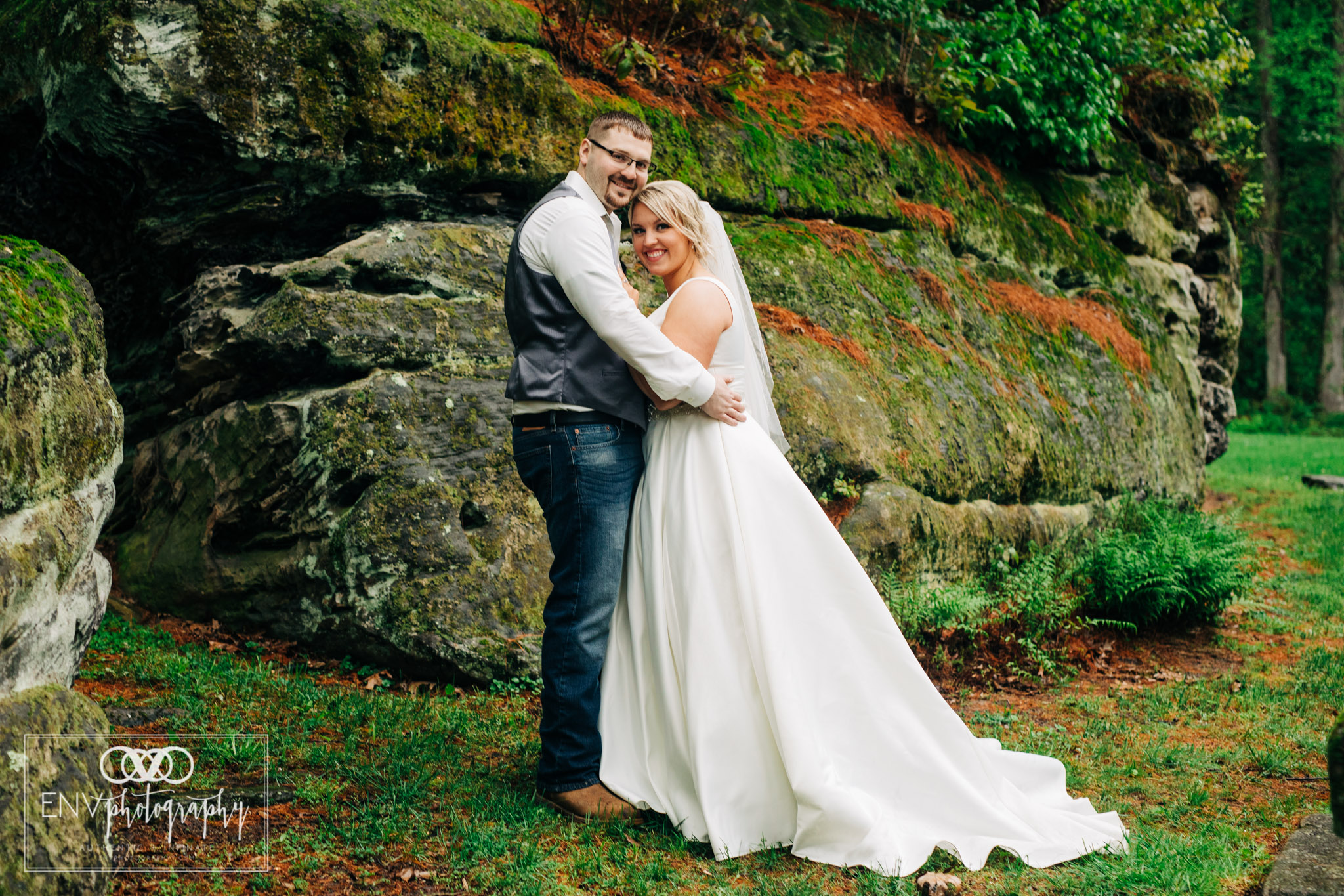 black run farms ohio wedding photographer (24).jpg