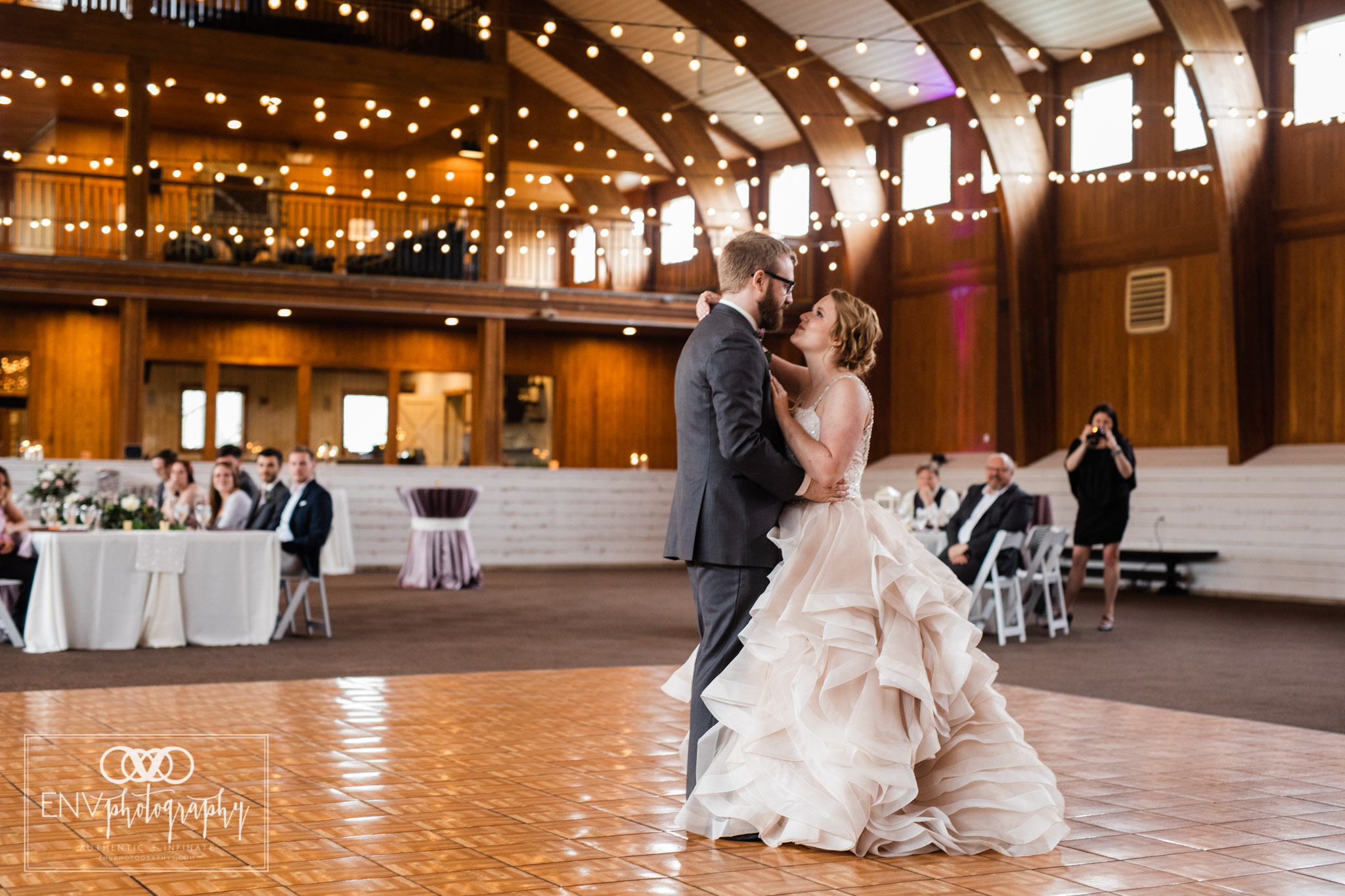 mount vernon columbus ohio irongate equestrian center wedding photographer (56).jpg